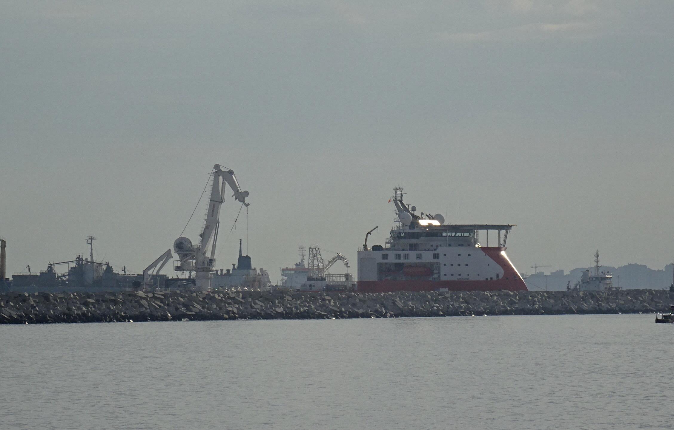 Ecologistas vuelven a denunciar la actuación del buque cablero en el Estrecho