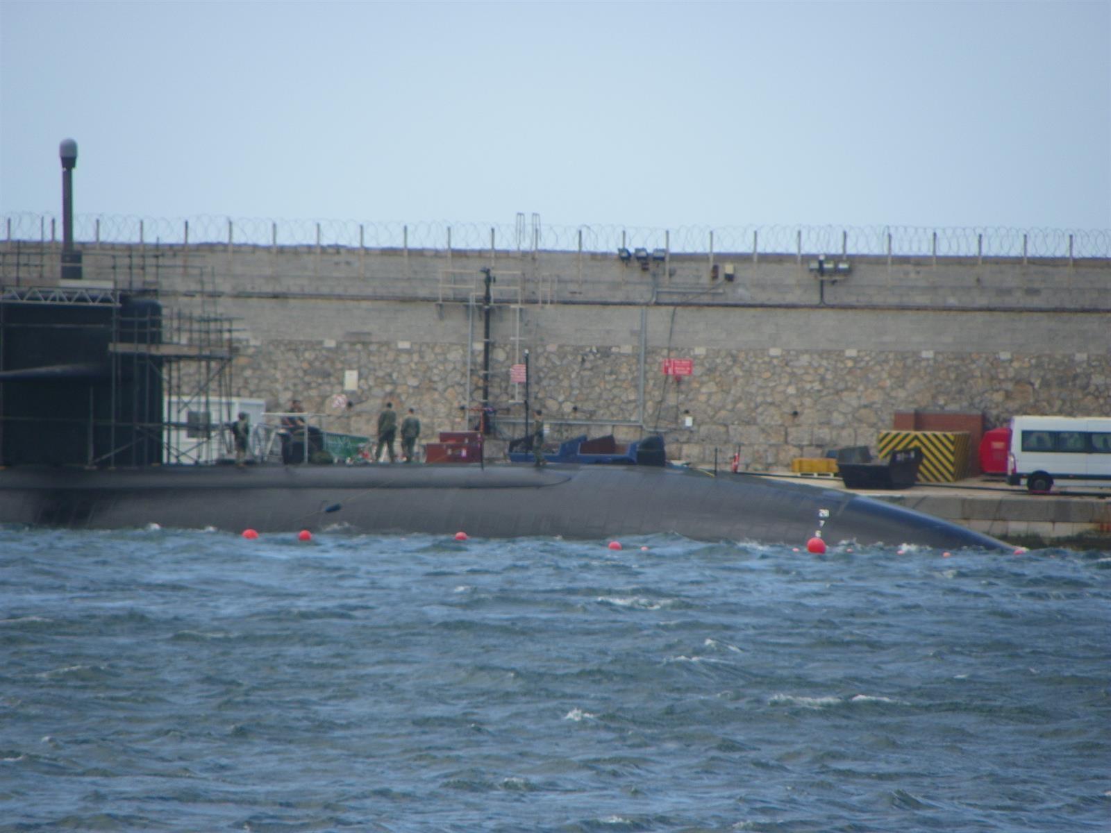 La base naval de Gibraltar acoge a dos submarinos nucleares