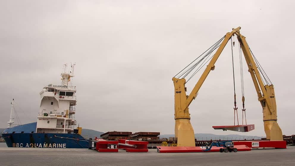 El Puerto Exterior De La Coruña Realiza Una Operativa De