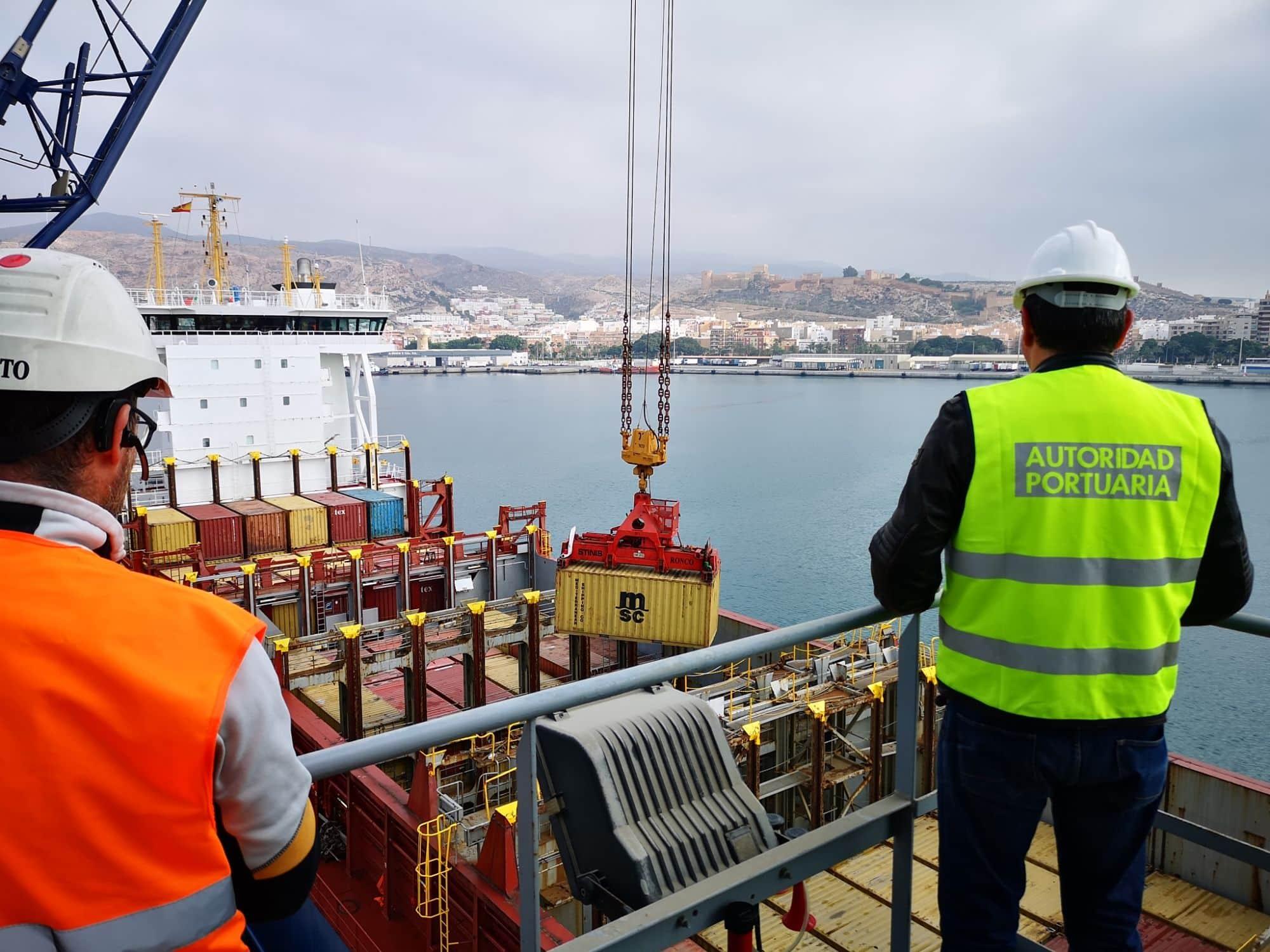 La exportación de mercancía general desde el Puerto de Almería crece un 131% hasta mayo