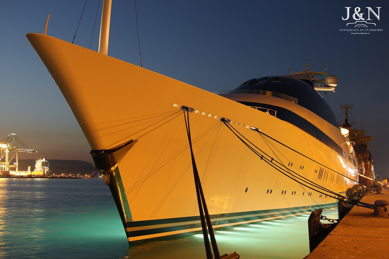 Uno de los yates más impresionantes del mundo escala en Algeciras