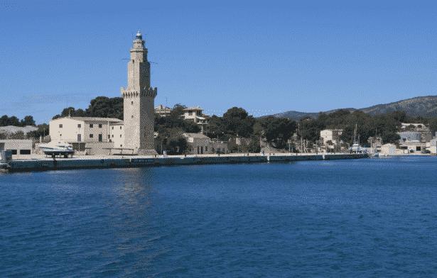 La esencia de Baleares, en diez faros
