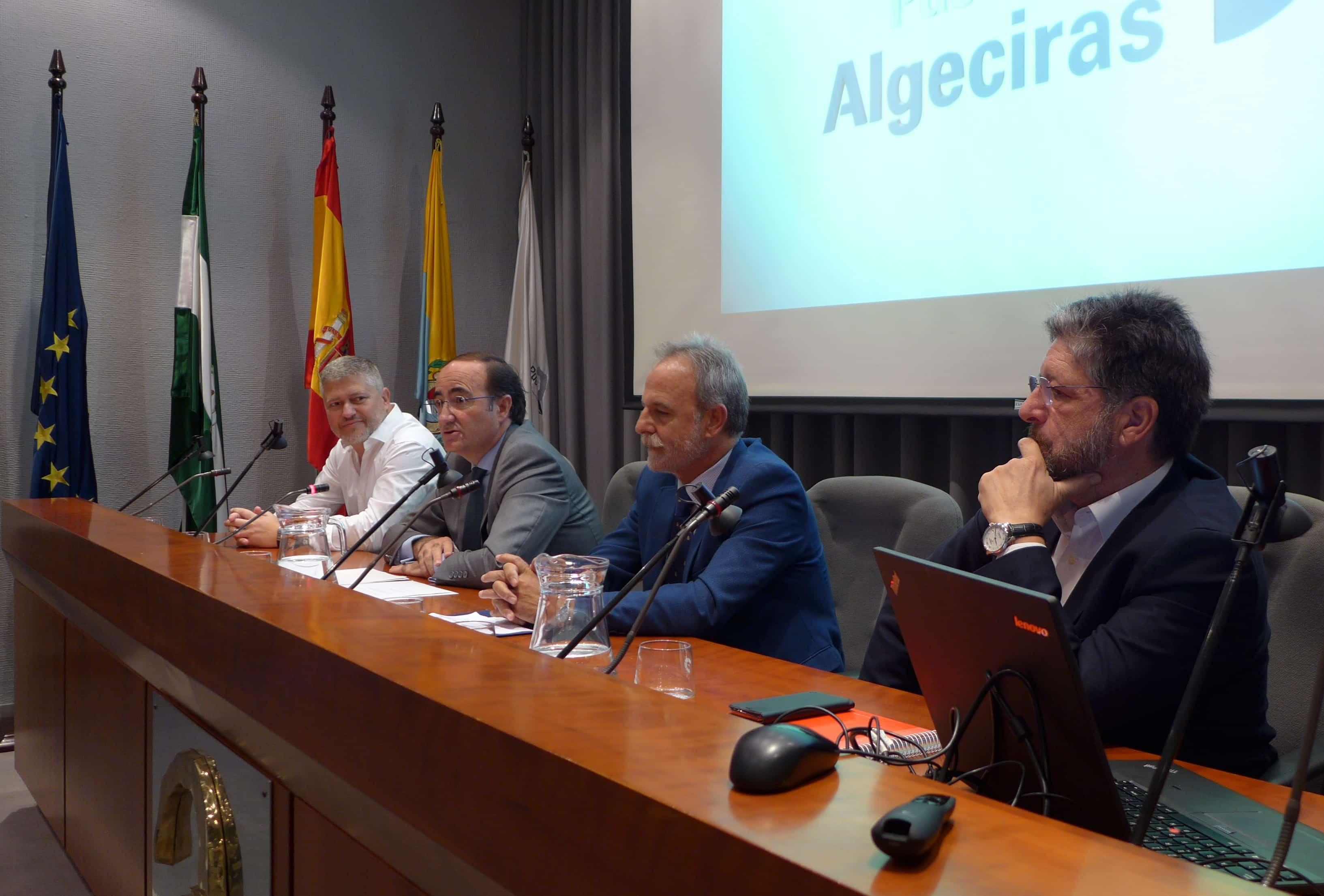 De la Encina considera fundamental la comunicación sobre los puertos para atraer inversiones
