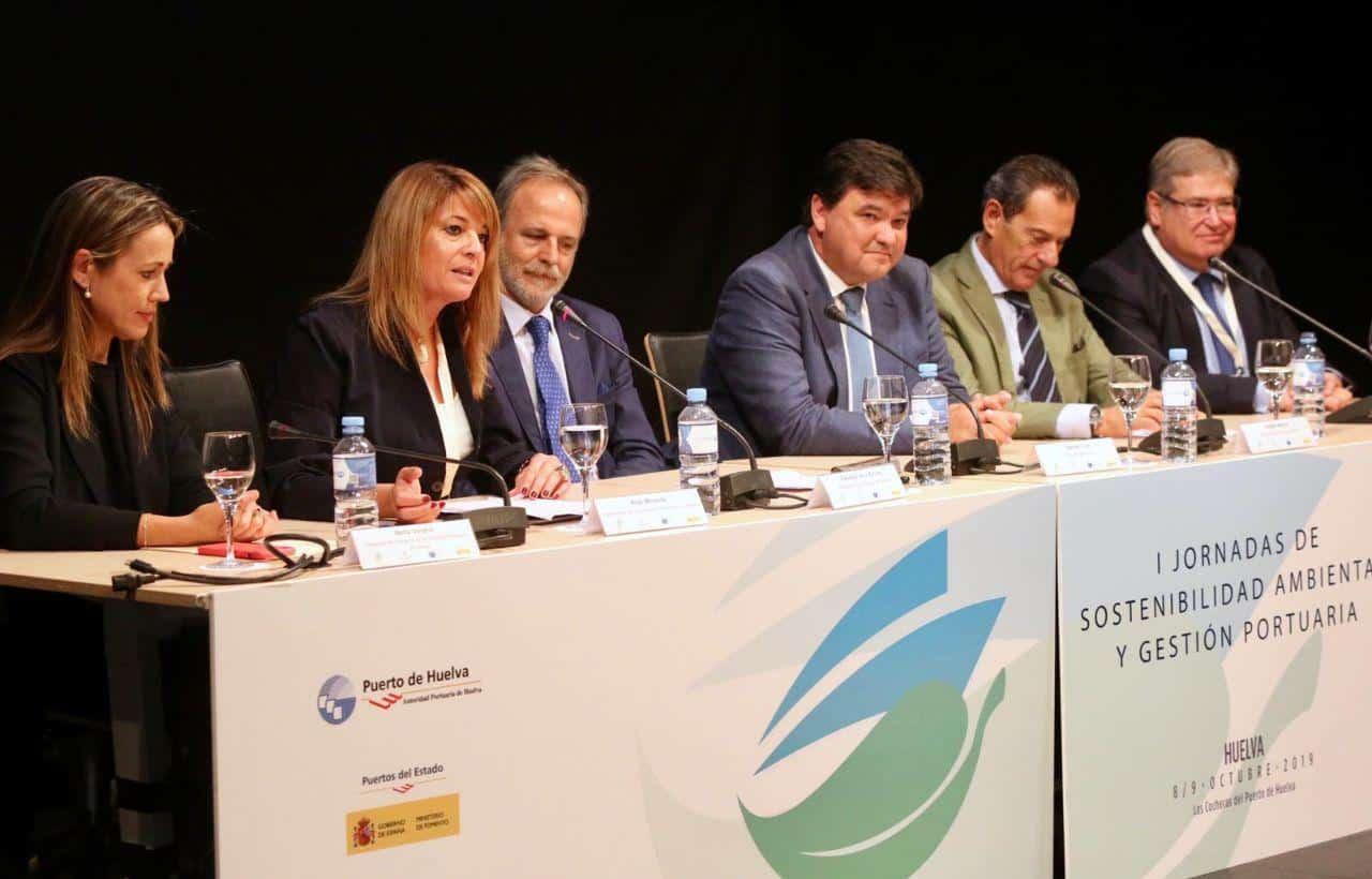 Unos 200 profesionales se reúnen en Huelva para debatir sobre el crecimiento sostenible de los puertos