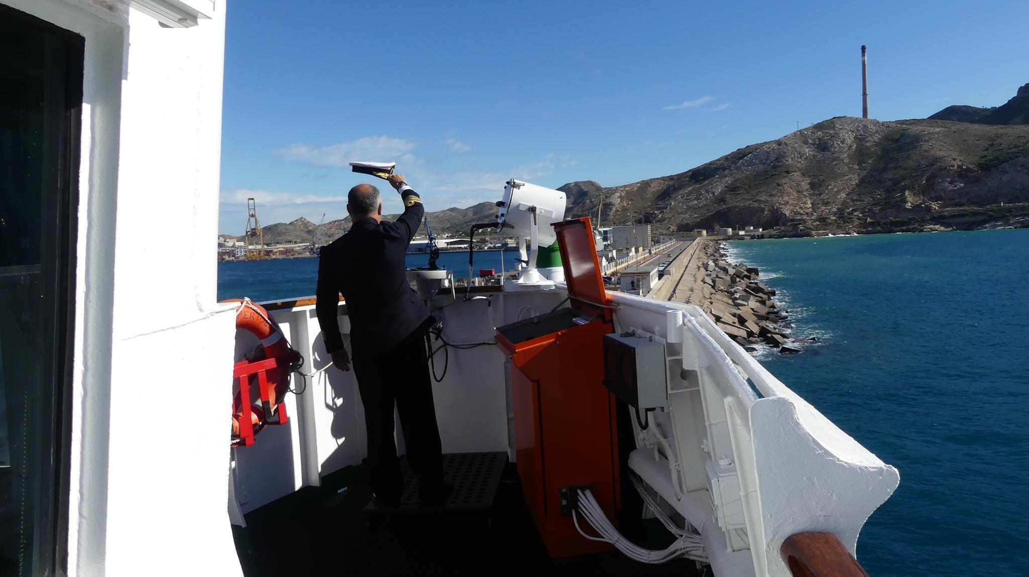 El buque de investigación 'Hespérides' comienza su participación en la XXXIII Campaña Antártica Española