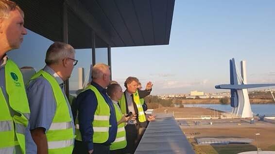 Una delegación del puerto danés de Aalborg visita Sevilla