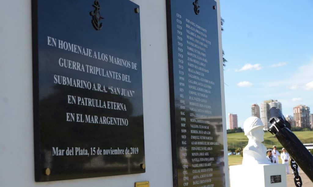 Homenaje en Argentina a los 44 tripulantes del submarino `ARA San Juan´