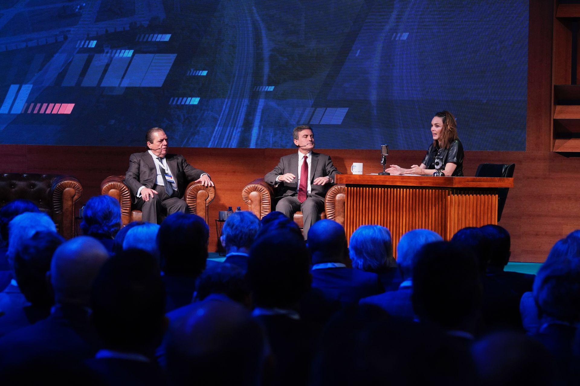 Más de 1500 empresarios conocen en Elche los avances del Corredor Mediterráneo