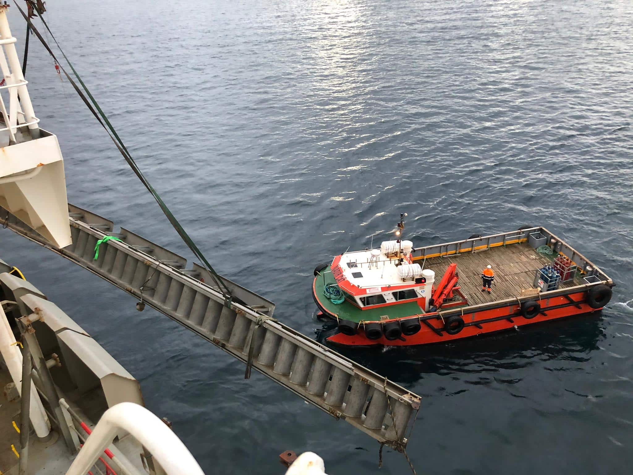 Empse culmina con éxito una llamativa operativa en bahía