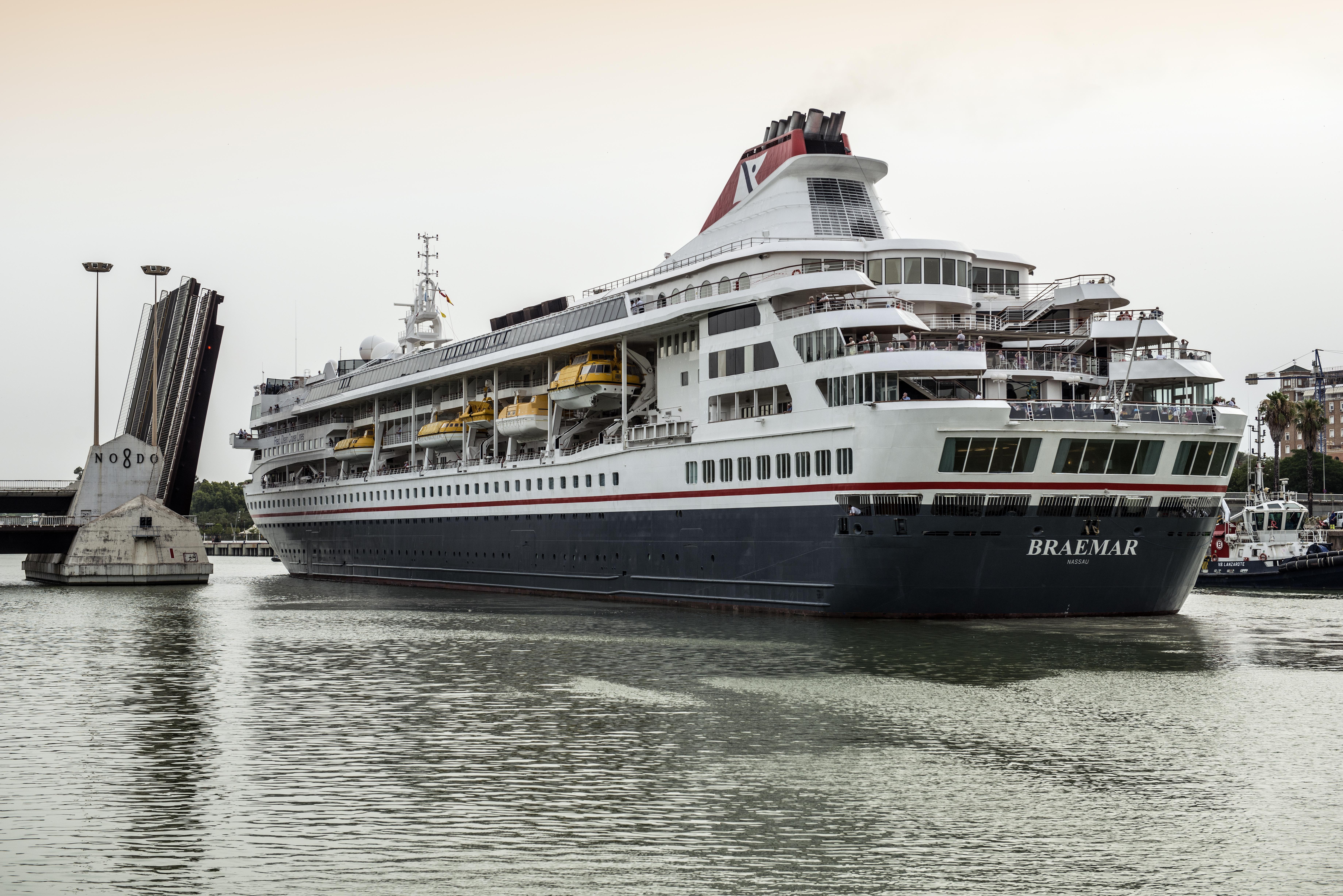 El Puerto de Sevilla cierra la temporada alta de cruceros con la llegada de 1300 cruceristas