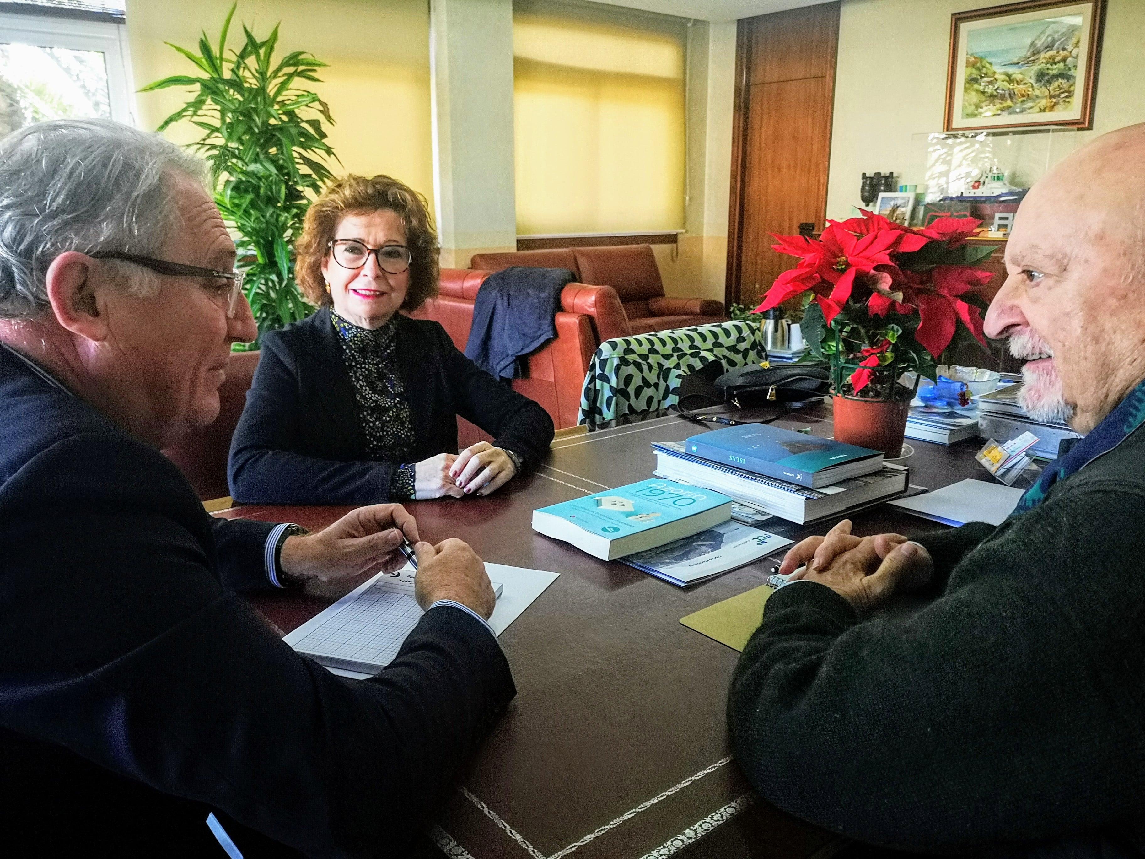 El presidente de la Agrupación de Asociaciones valora la colaboración del Puerto de Almería