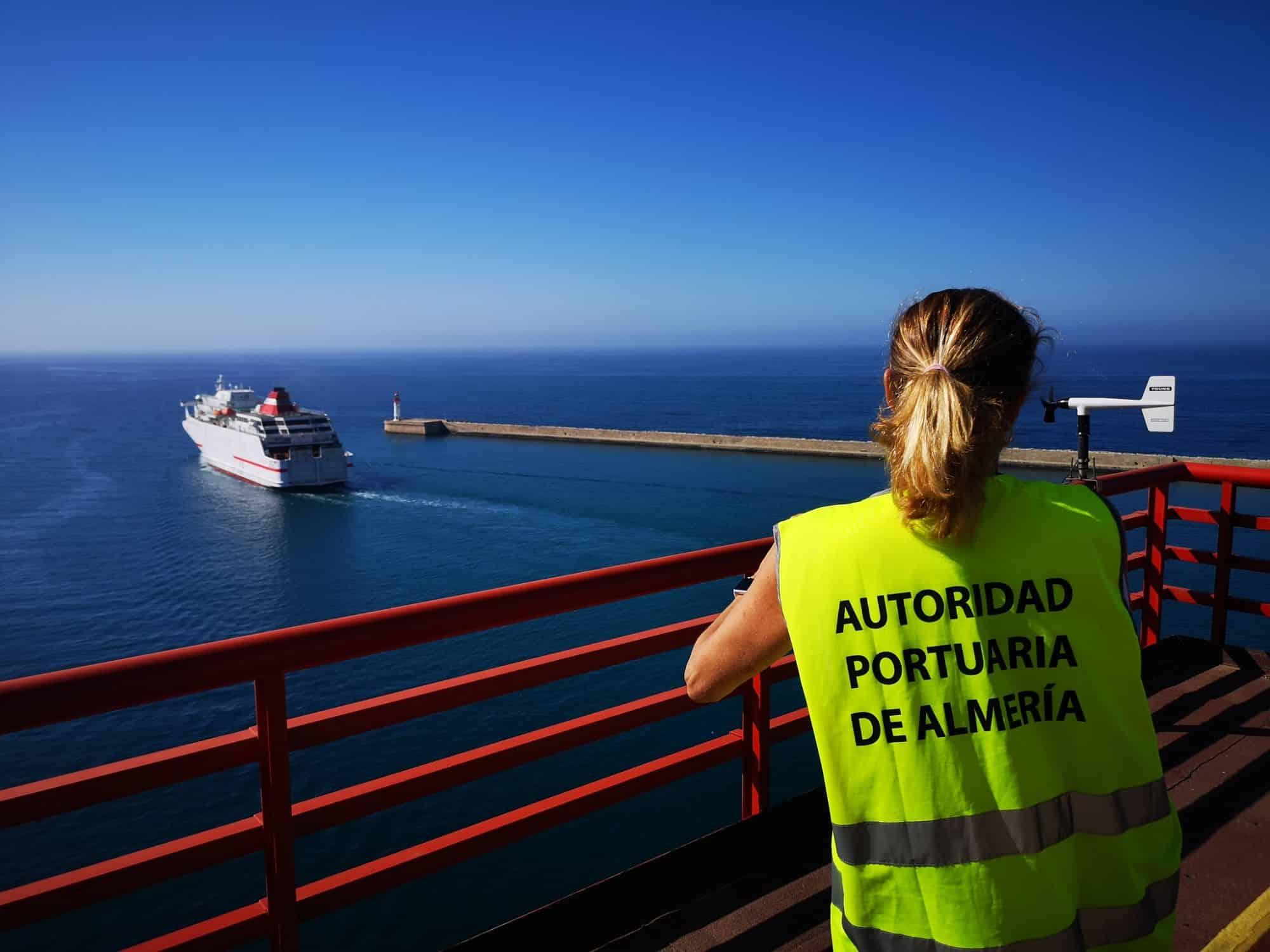 El Puerto de Almería supera los 900.000 pasajeros entre enero y noviembre