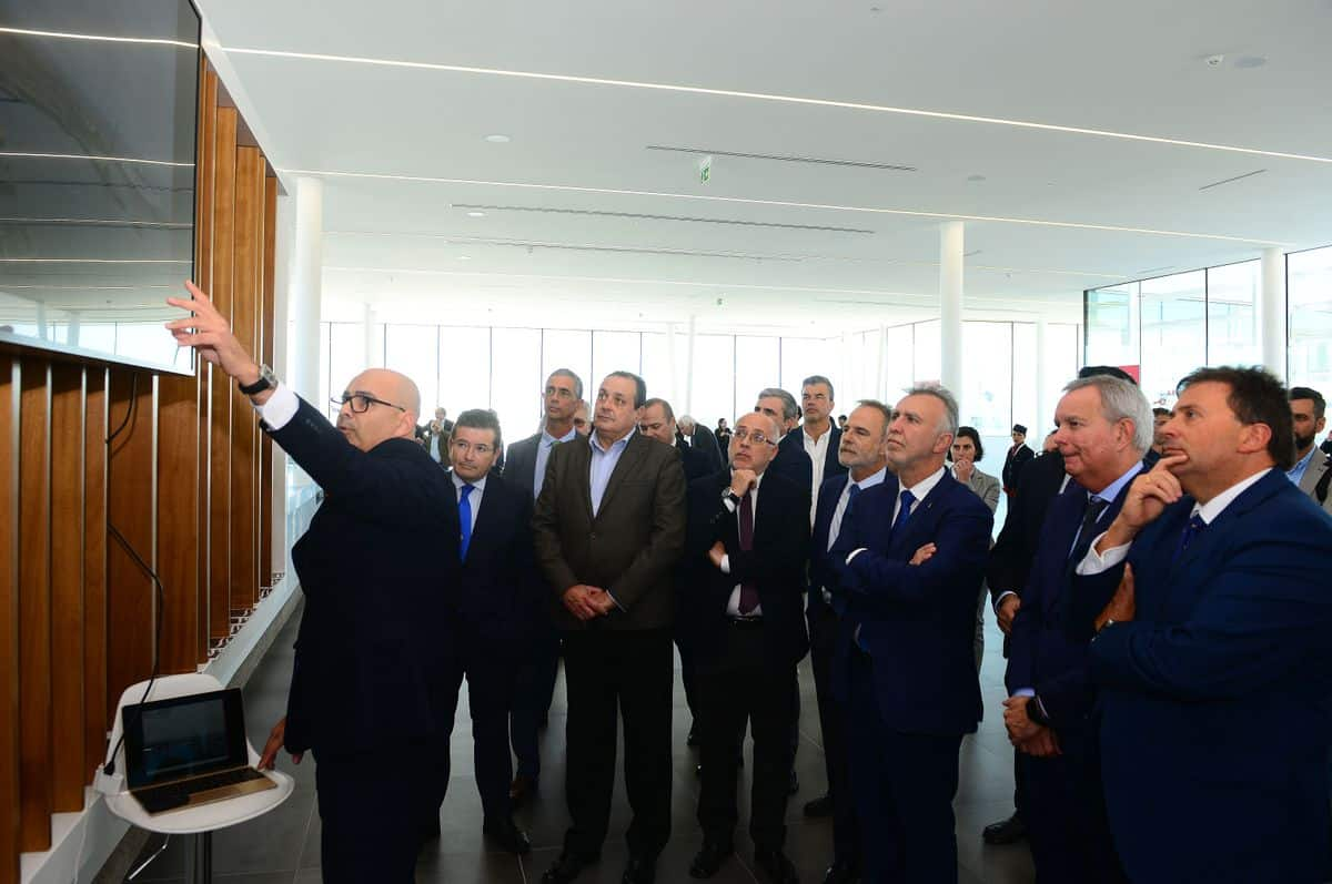 De la Encina visita la nueva terminal de Naviera Armas Trasmediterránea en Las Palmas