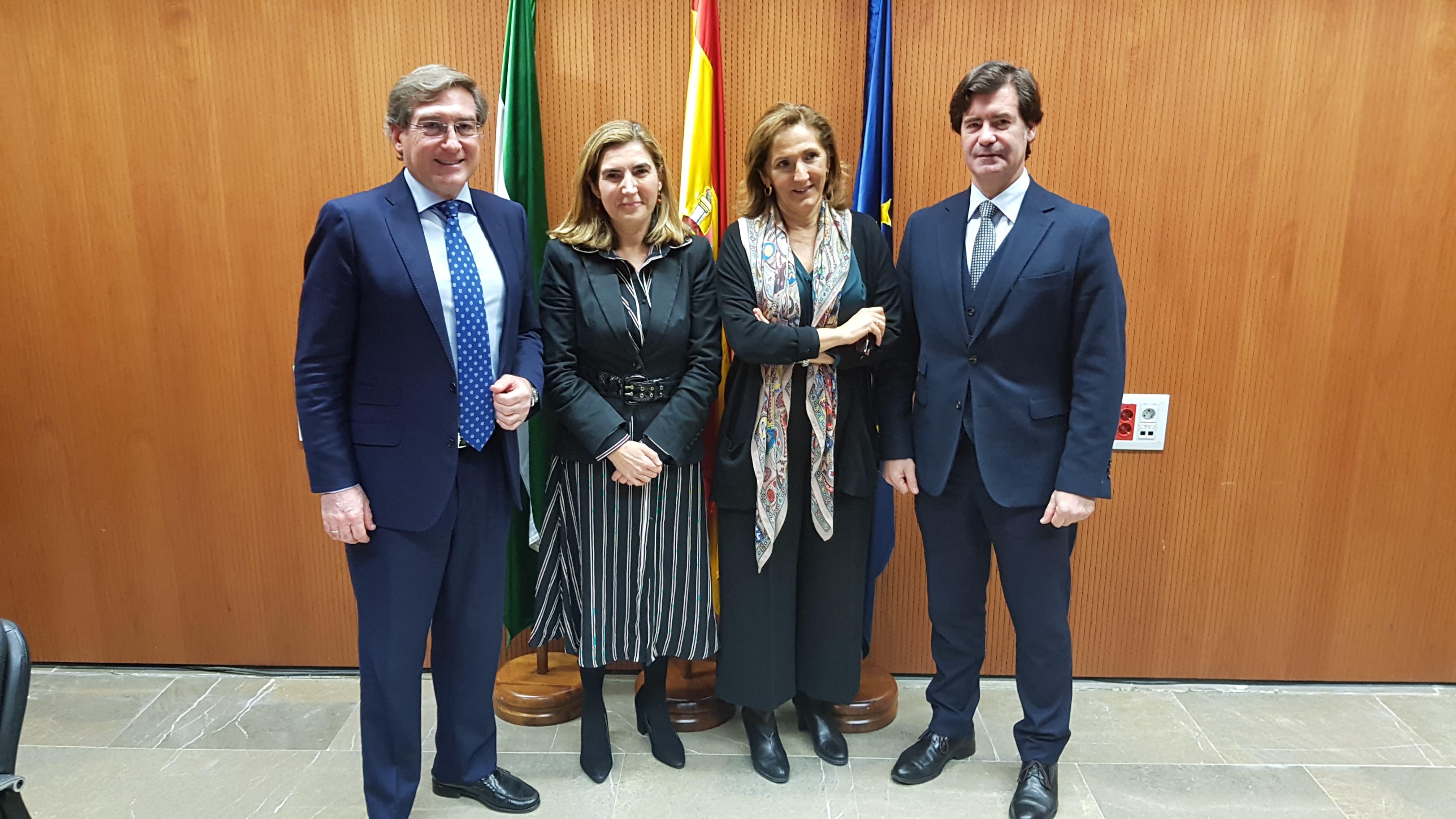 La Junta facilitará ofertas de empleo del puerto de Sevilla ante nuevas empresas