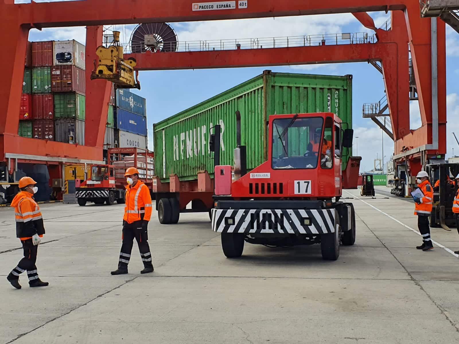 Aumenta la llegada de contenedores al puerto de Las Palmas para el abastecimiento de la población
