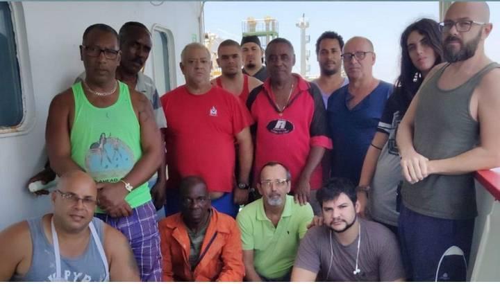Permiten fondear en el puerto de Manila al `Celanova´, gasero español abandonado desde diciembre