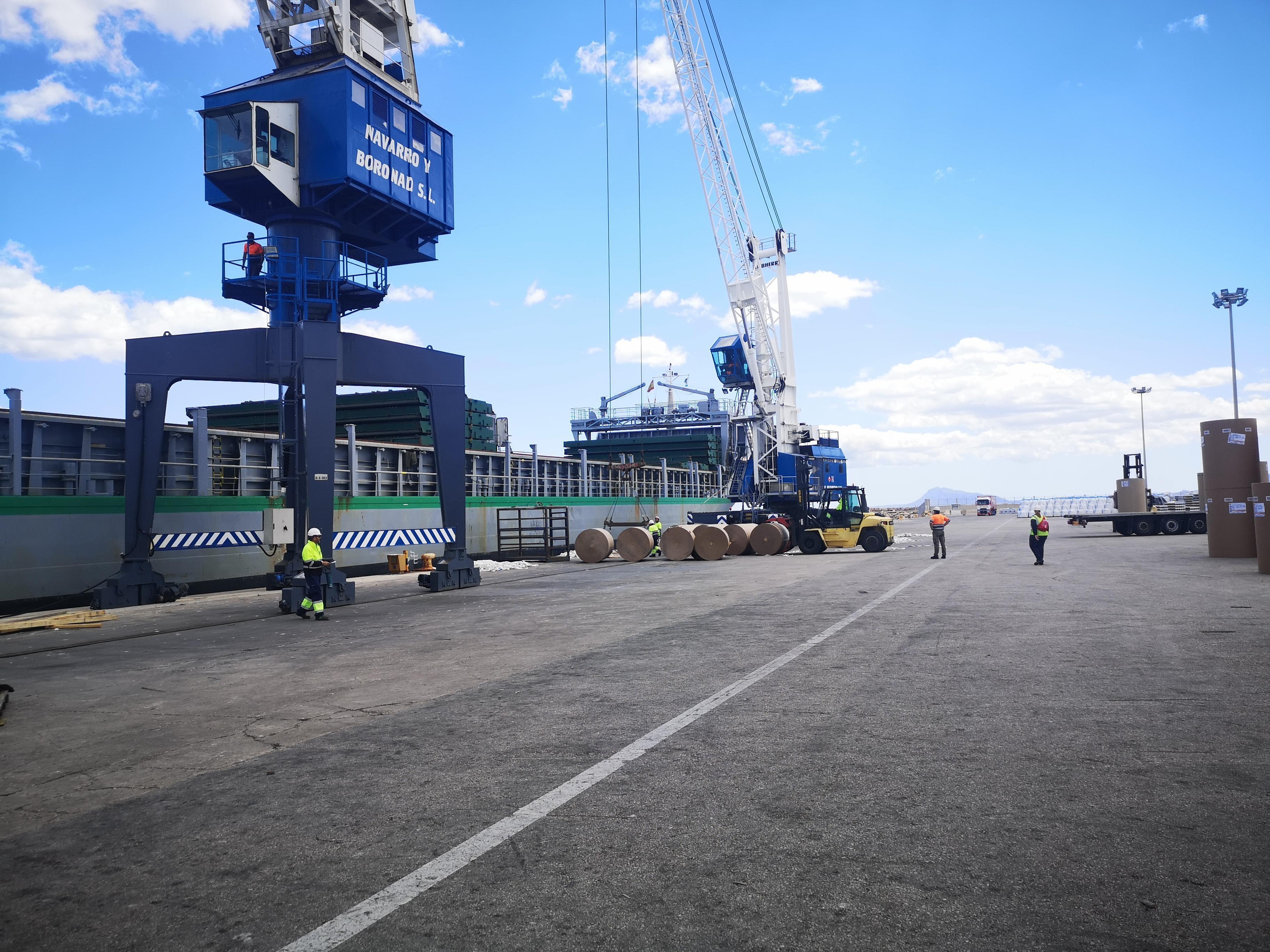 Valenciaport reactiva sus inversiones con la adjudicación de una obra en el puerto de Gandia