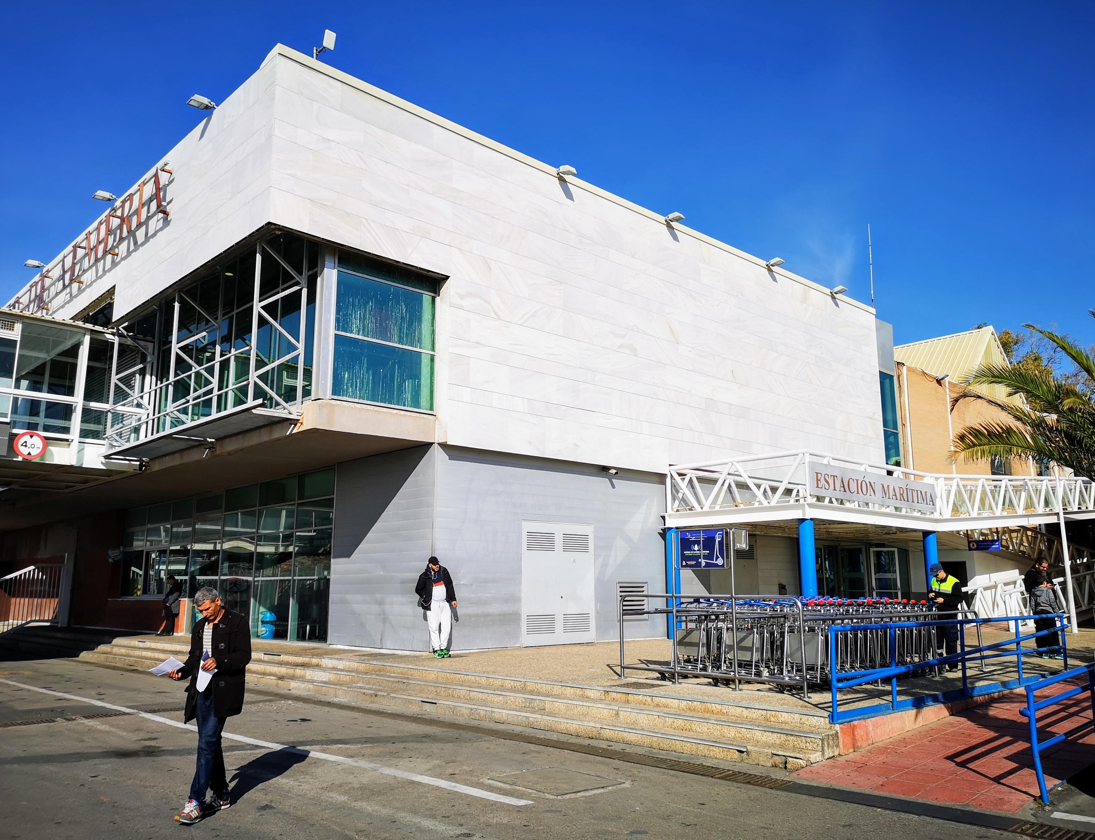 La estación marítima del puerto de Almería se autoabastecerá con energía fotovoltaica