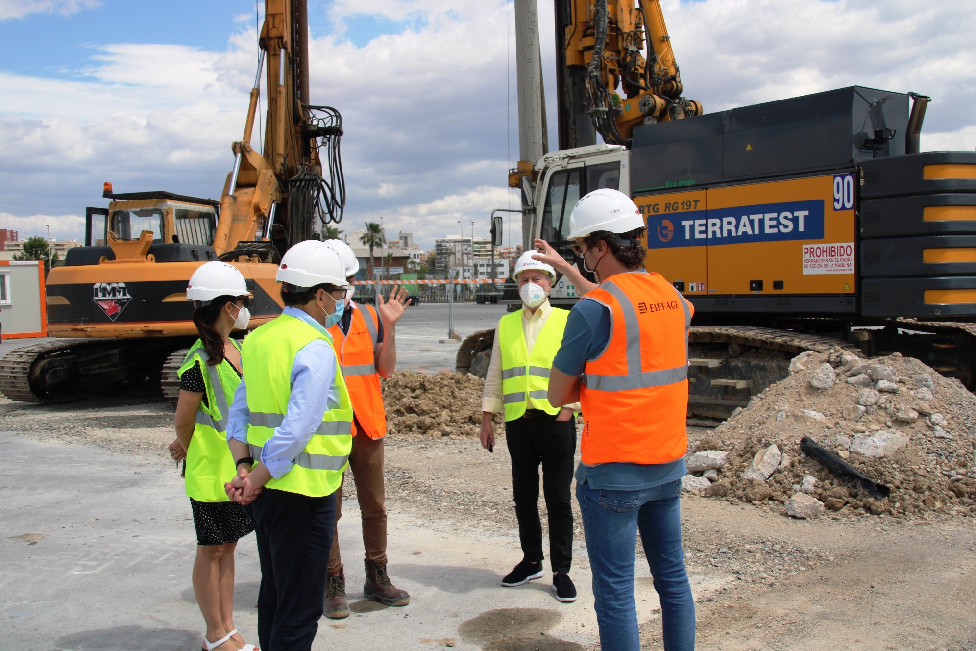 Siguen, a buen ritmo, las obras de refuerzo del muelle 17 del puerto de Alicante