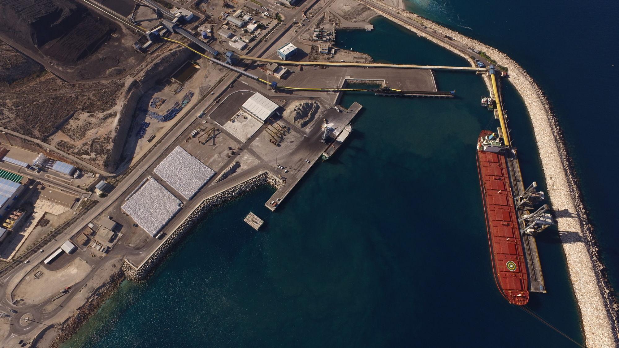 El movimiento de mercancías del puerto de Carboneras cae un 64,1% entre enero y mayo