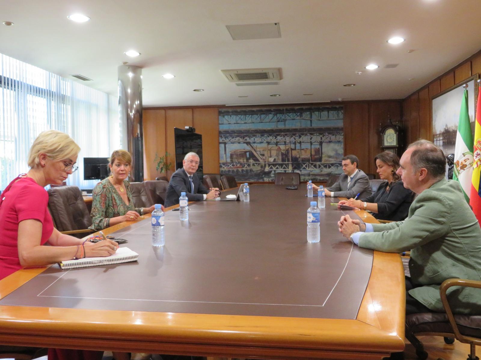 Puerto de Huelva y Junta de Andalucía colaborarán en el desarrollo del Nodo de Innovación Tecnológico de carácter portuario