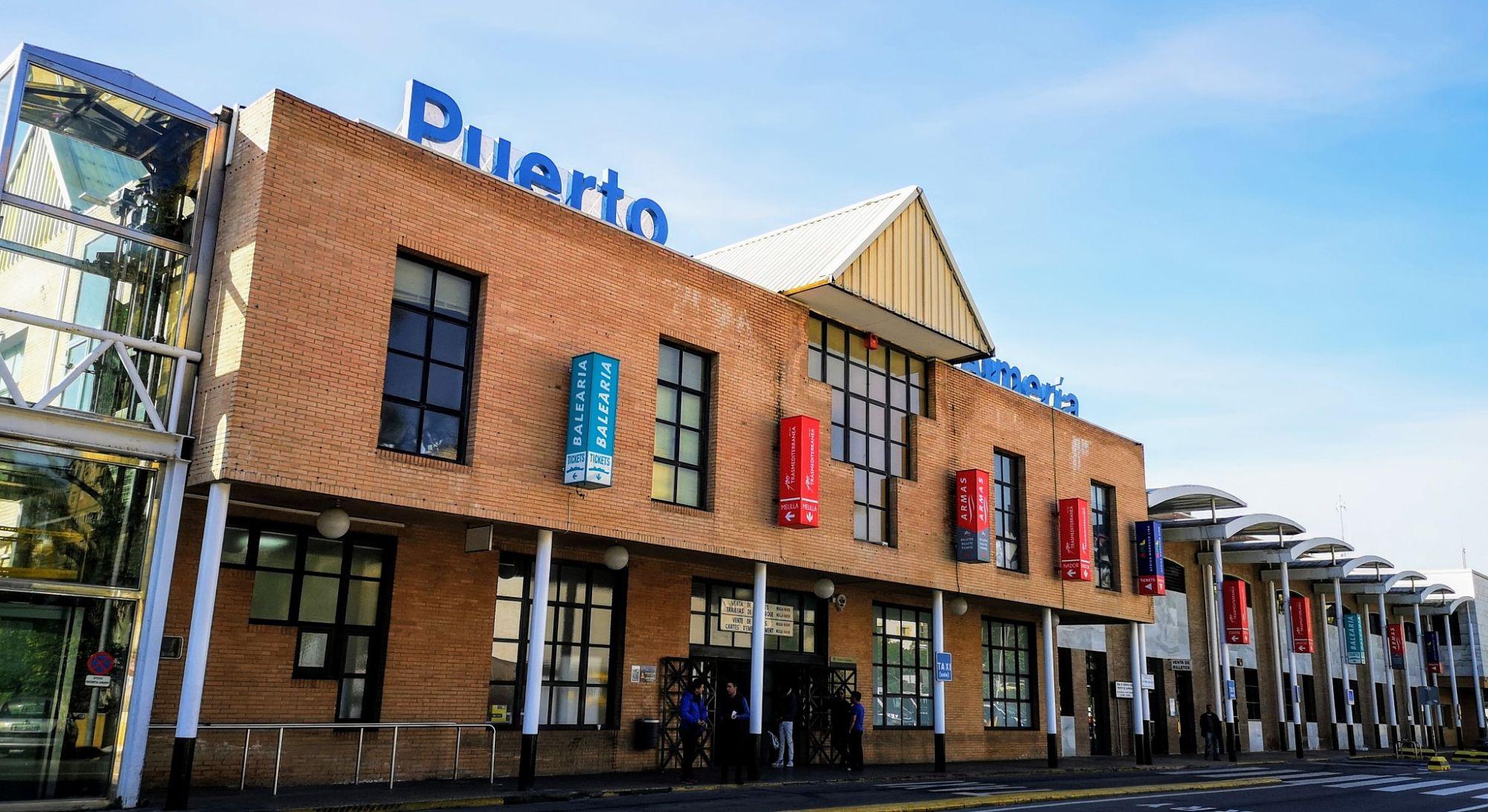 Etralux construirá la instalación solar fotovoltaica en la estación marítima del Puerto de Almería