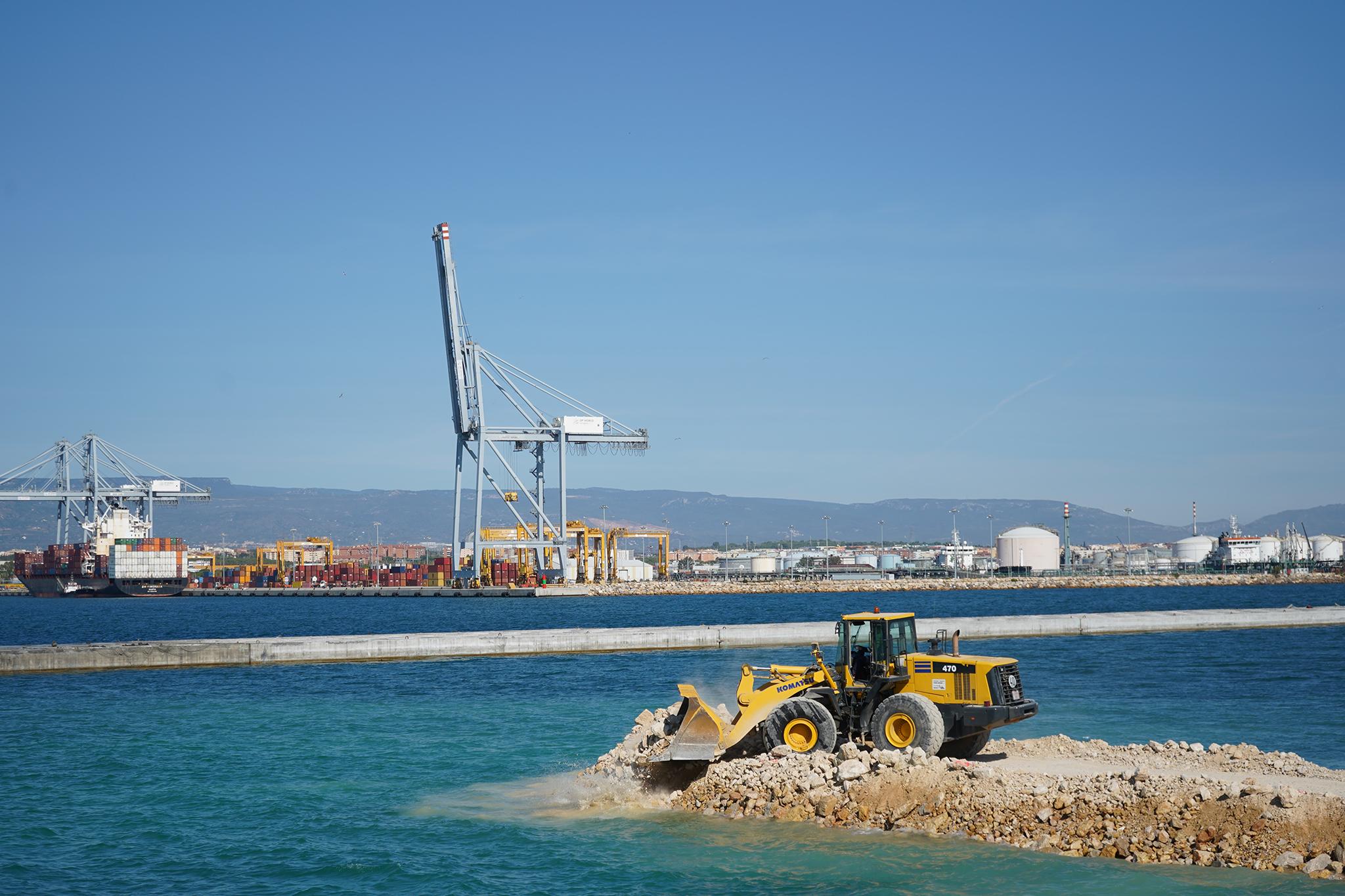 Avances importantes en la construcción del muelle de Baleares del puerto de Tarragona