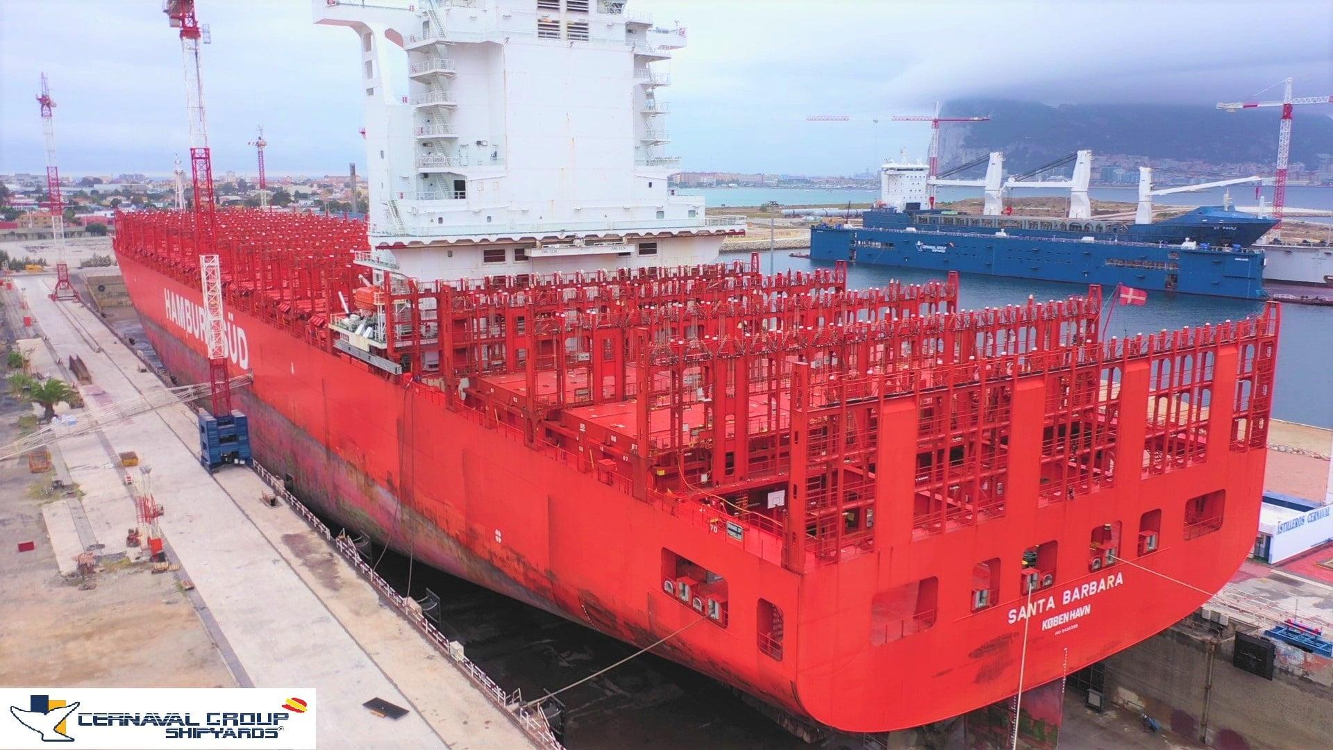 El Santa Bárbara, segundo buque más grande que hace escala en Cernaval