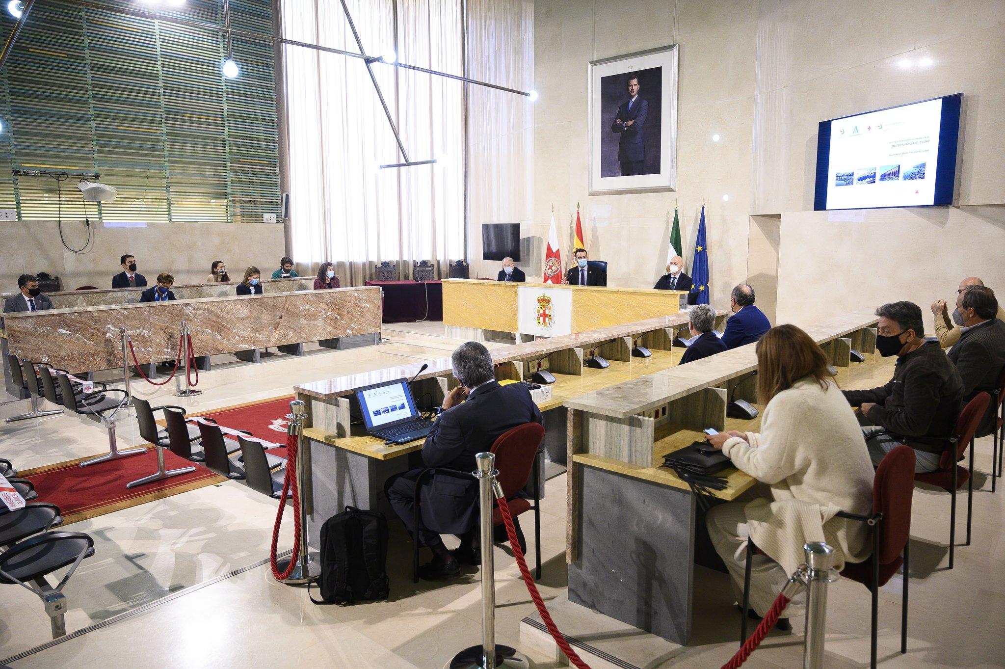 Autoridad Portuaria y Ayuntamiento reciben de la Fundación Bahía Almeriport el documento del Master Plan del Puerto Ciudad