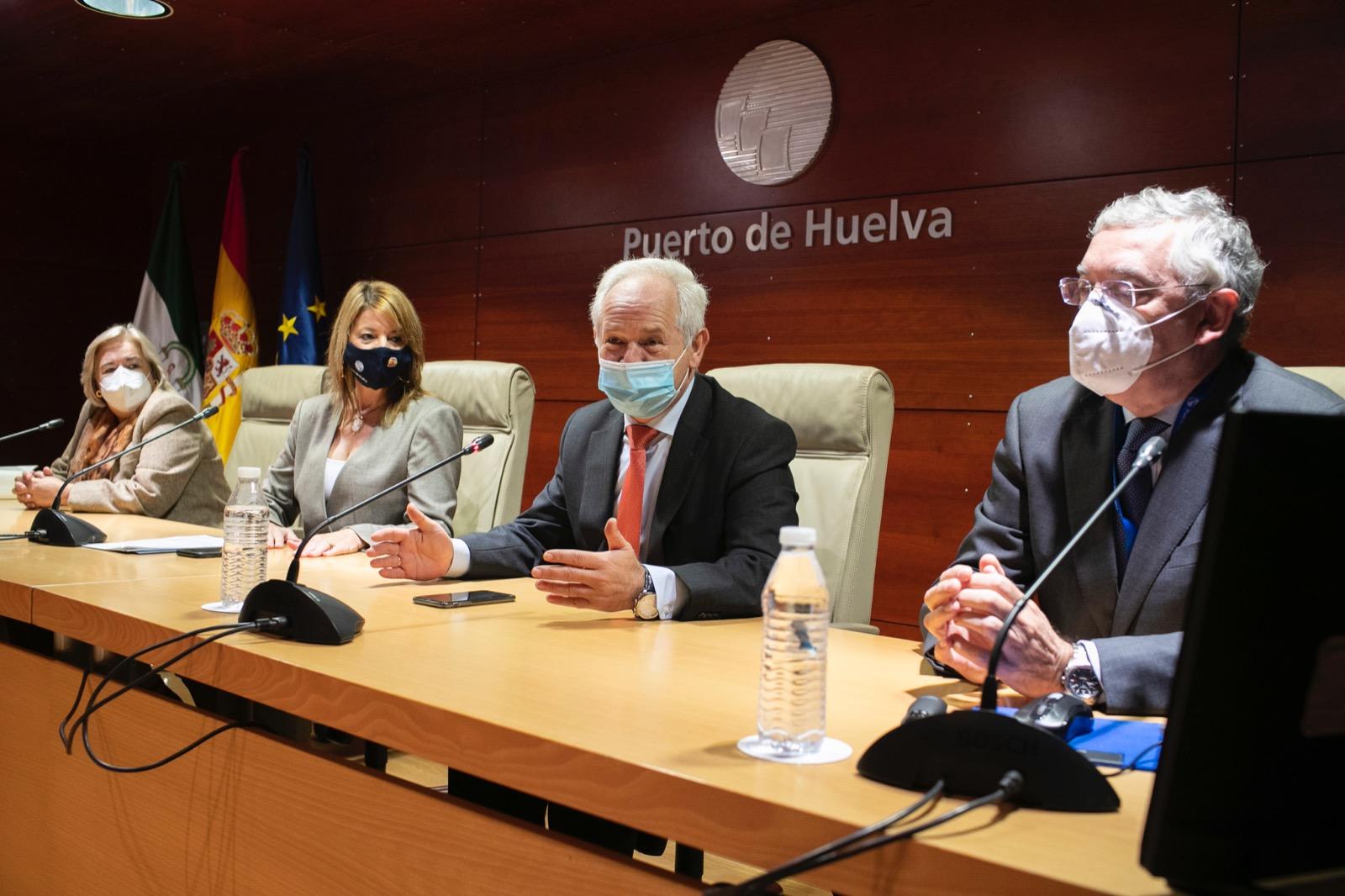Consejería de Salud y Autoridad Portuaria firman un protocolo para el desarrollo de una plataforma logística sanitaria en Huelva