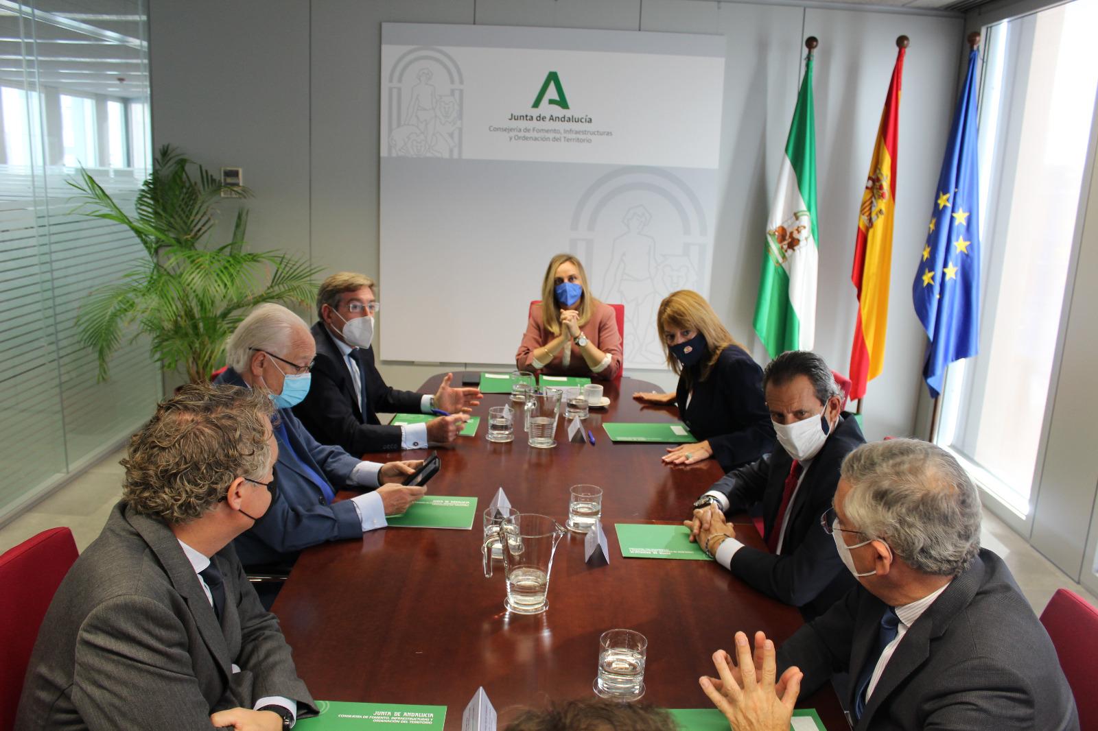 Los puertos de Huelva y Sevilla, integrados en la Red Logística de Andalucía