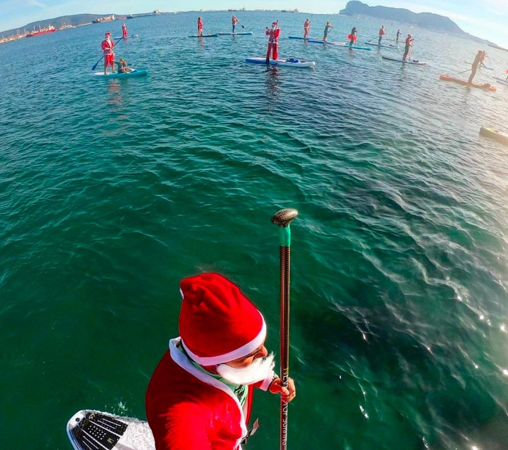 La llegada de la Navidad se adelanta en las aguas de la Bahía