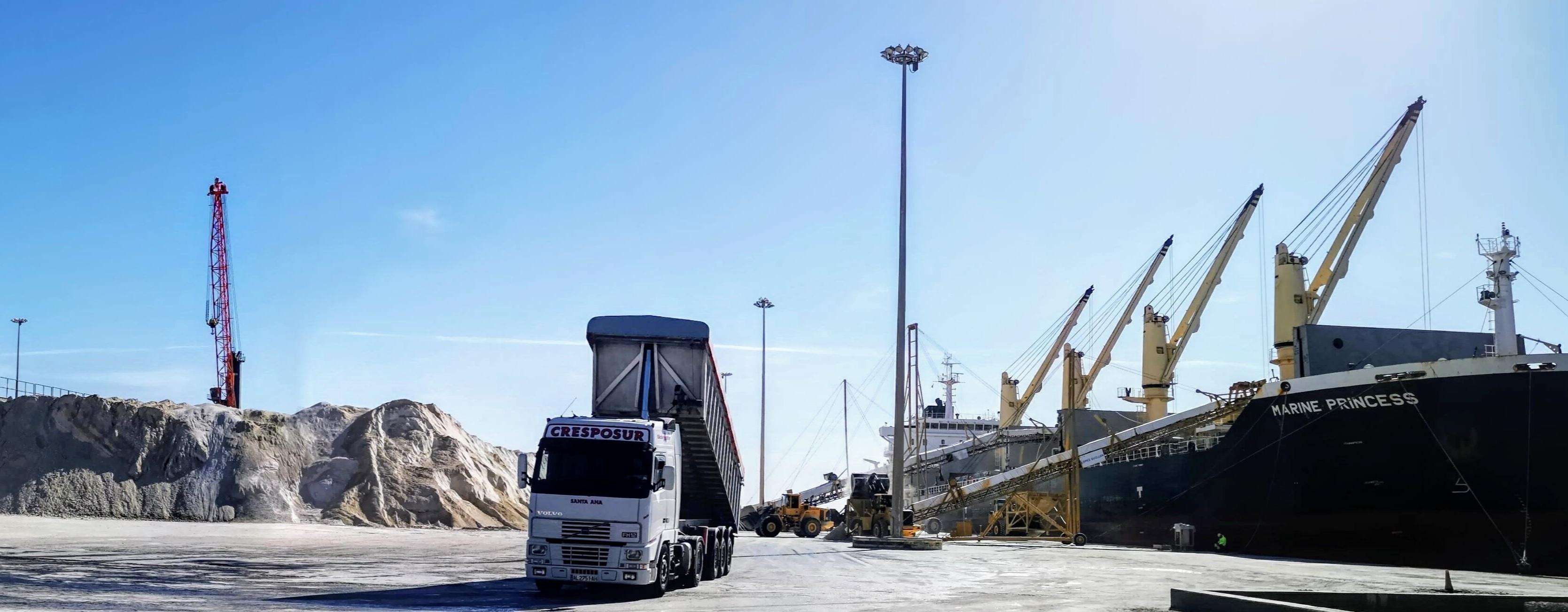 Fungibles Condal instalará las dos estaciones lava-ruedas de camiones en el Puerto de Almería