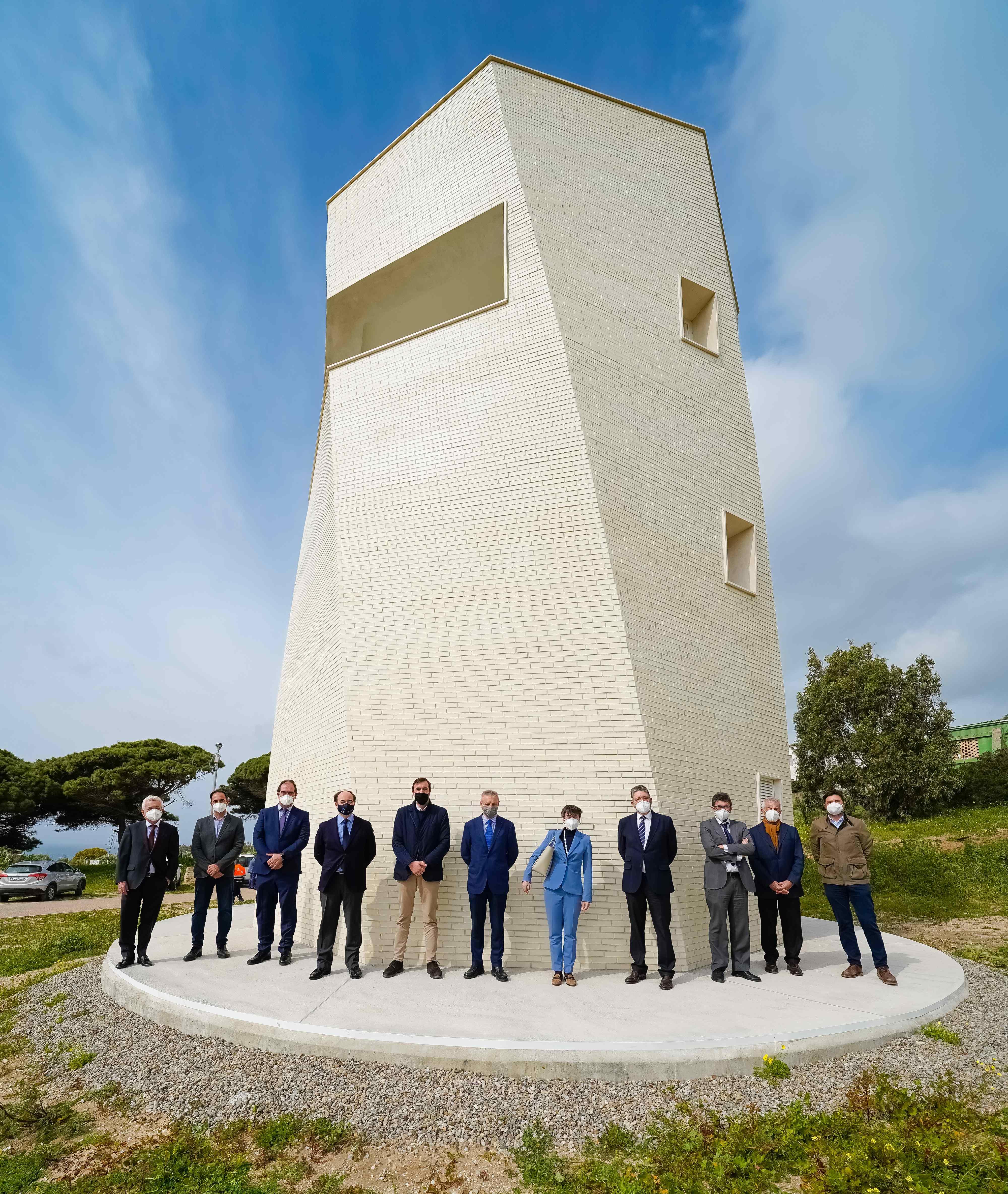 El presidente de Puertos del Estado visita el nuevo Faro de Punta Paloma