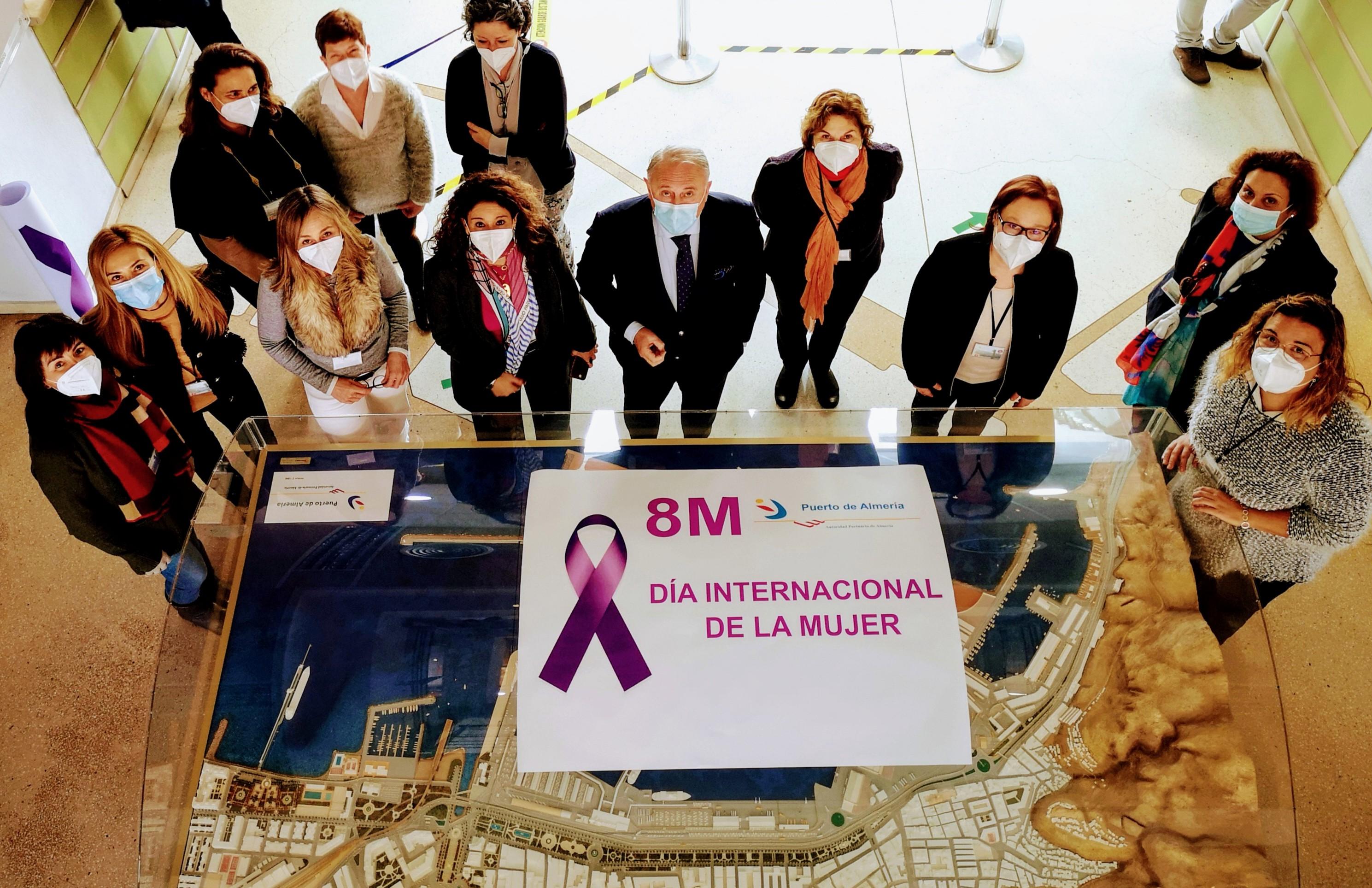 La Autoridad Portuaria de Almería homenajea a las mujeres en su Día Internacional