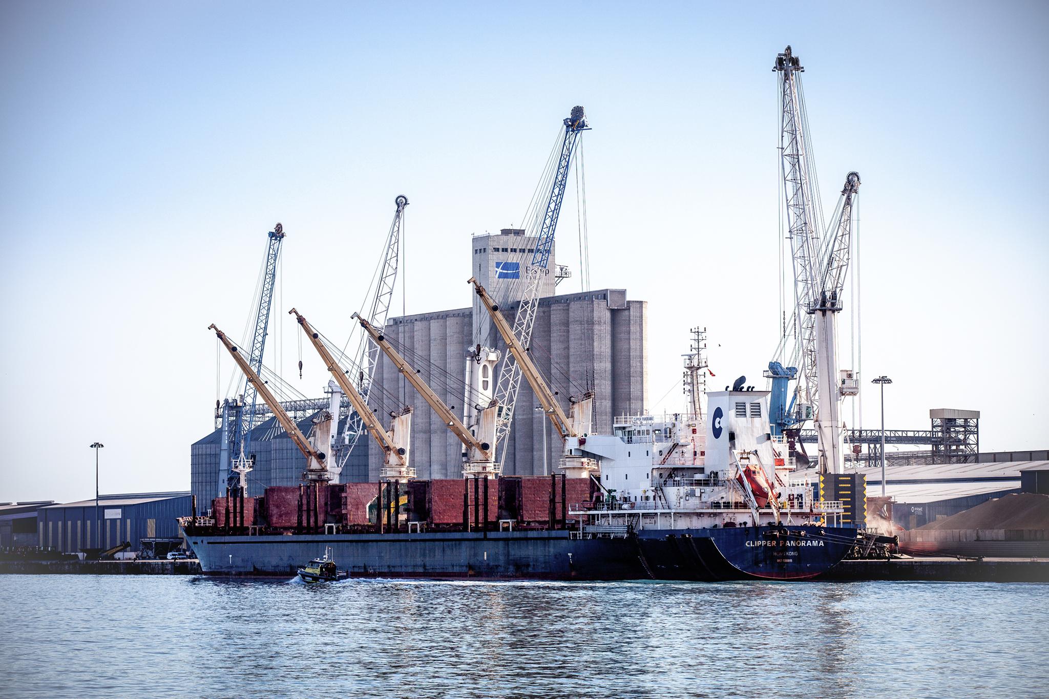 El puerto de Tarragona cierra el primer trimestre de 2021 con una mejora del 13%