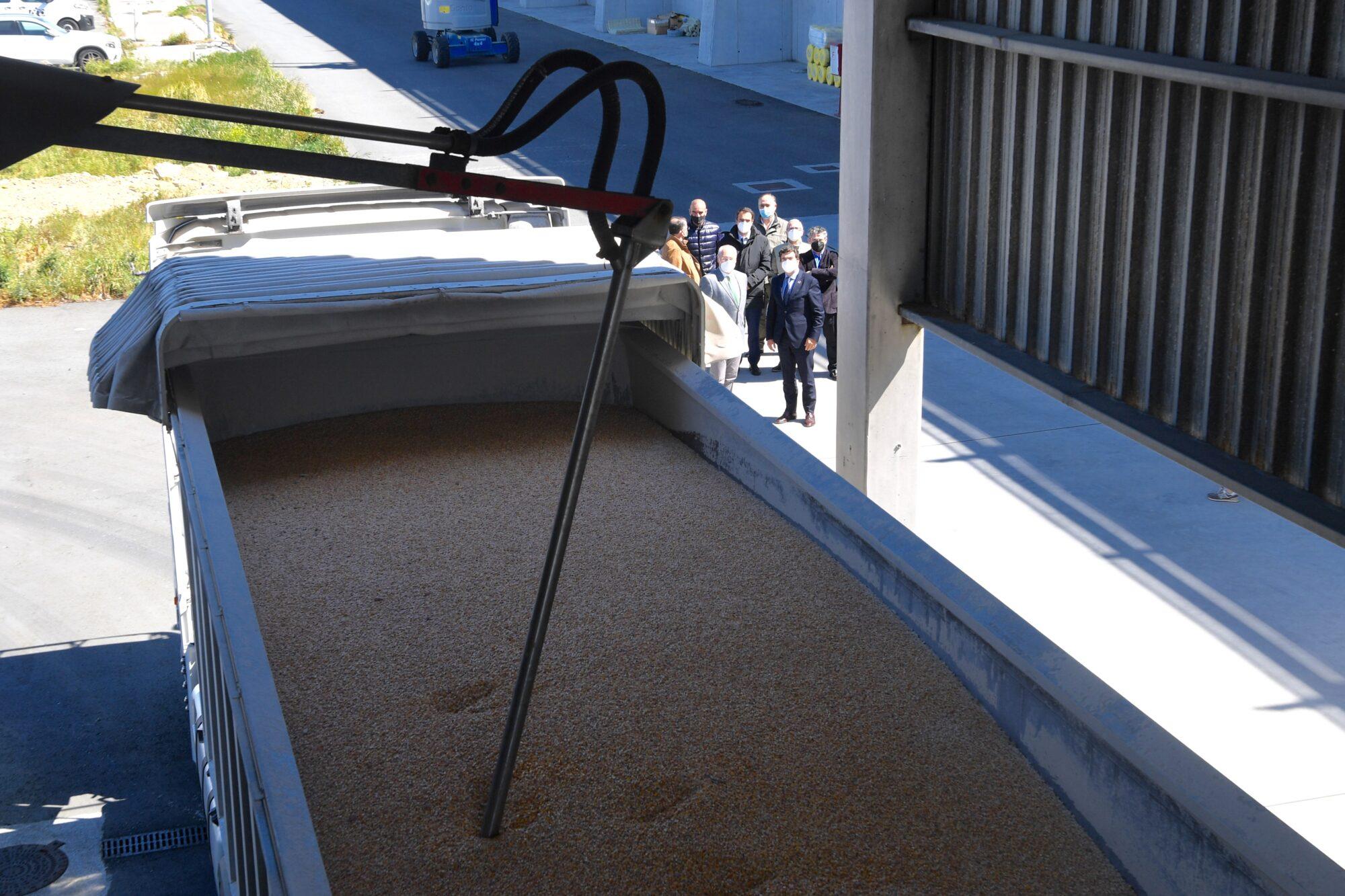 Un nuevo sistema automático para garantizar la calidad de la mercancía afianza el liderazgo del Puerto de La Coruña en cereales