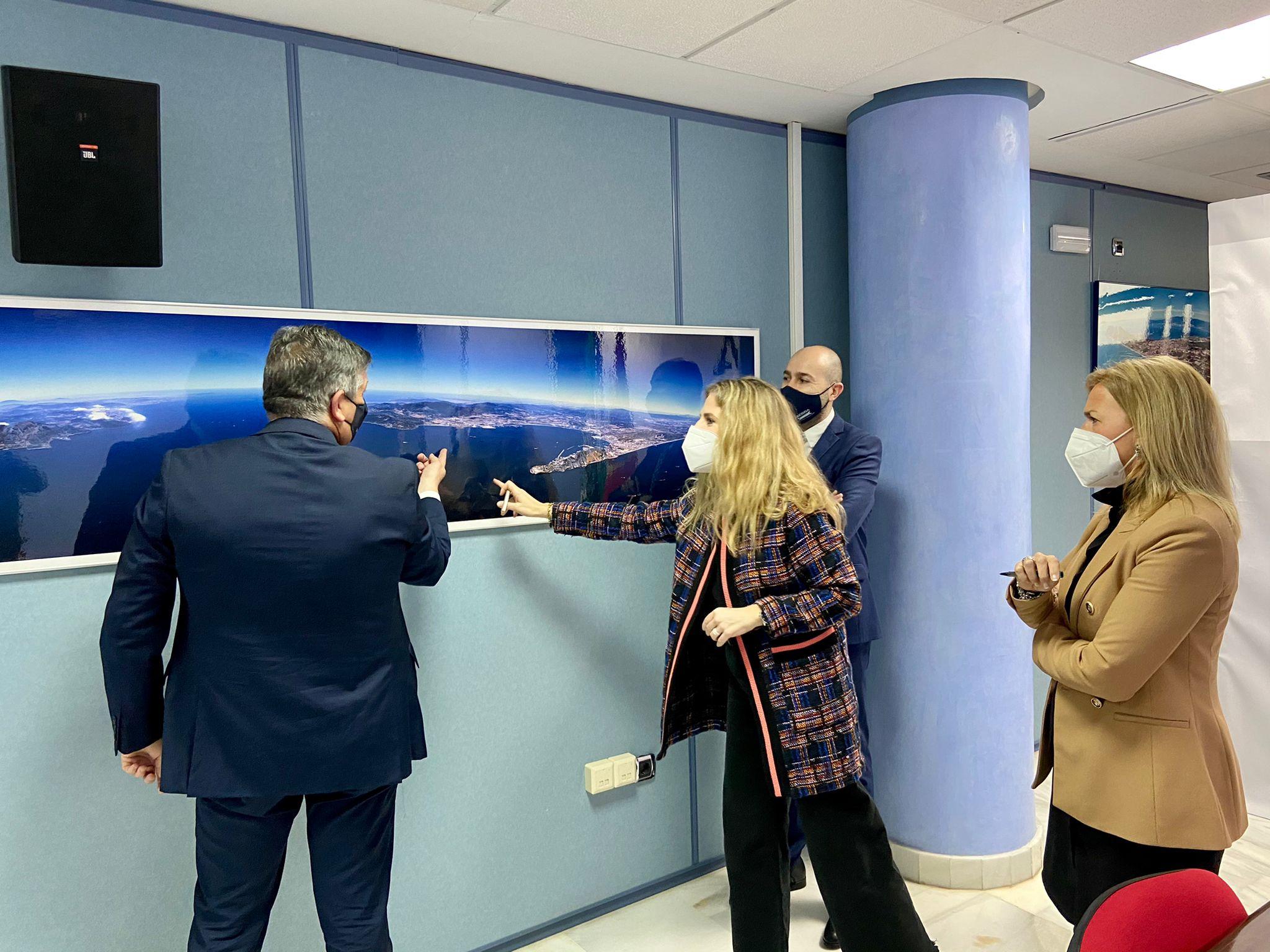 La Junta pulsa la situación del sector empresarial del puerto de Algeciras