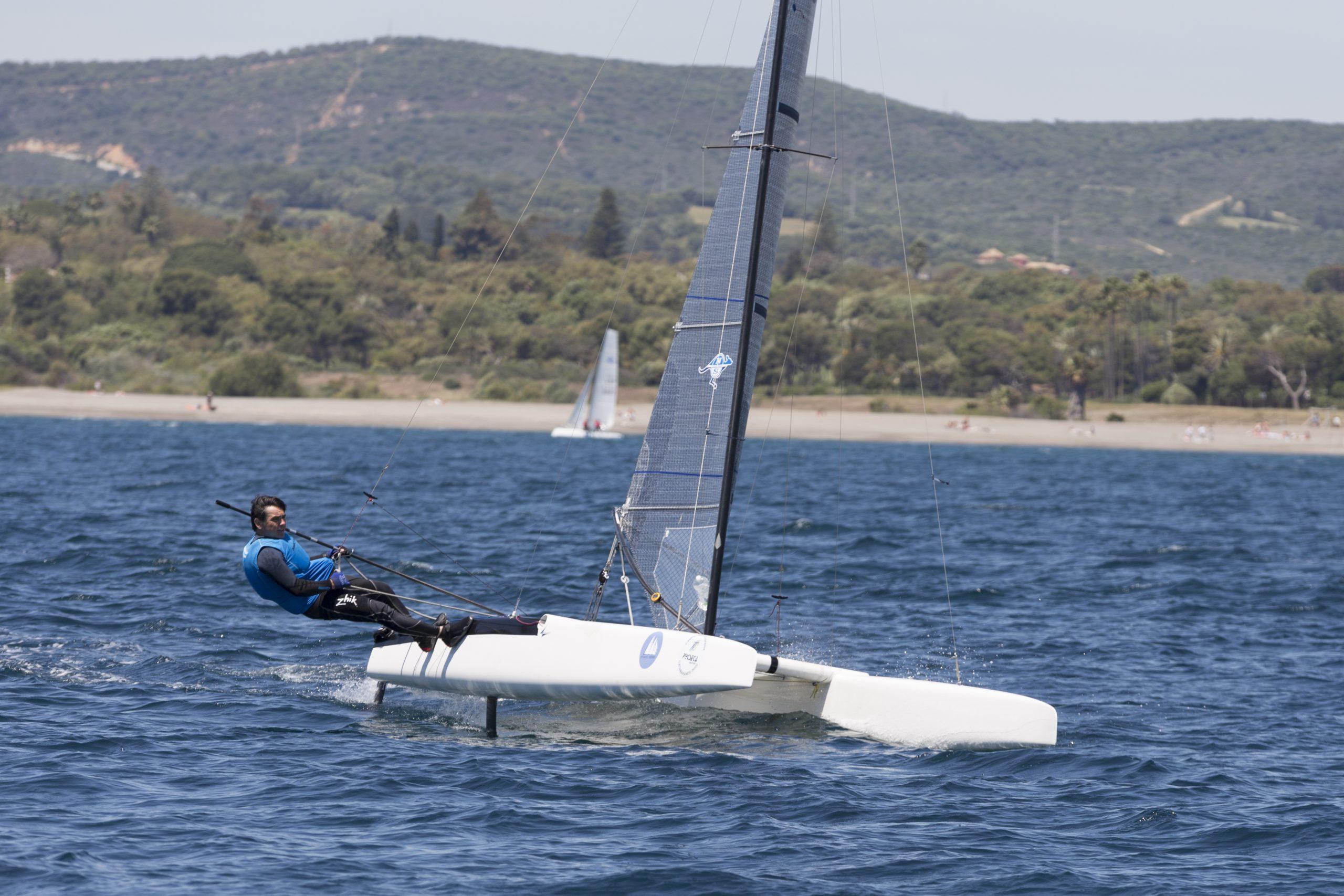 Acosta en Clase A, Martin Prat en F18 y Oriol en Hobbie 16 ganadores de la Copa de Andalucía de Catamarán