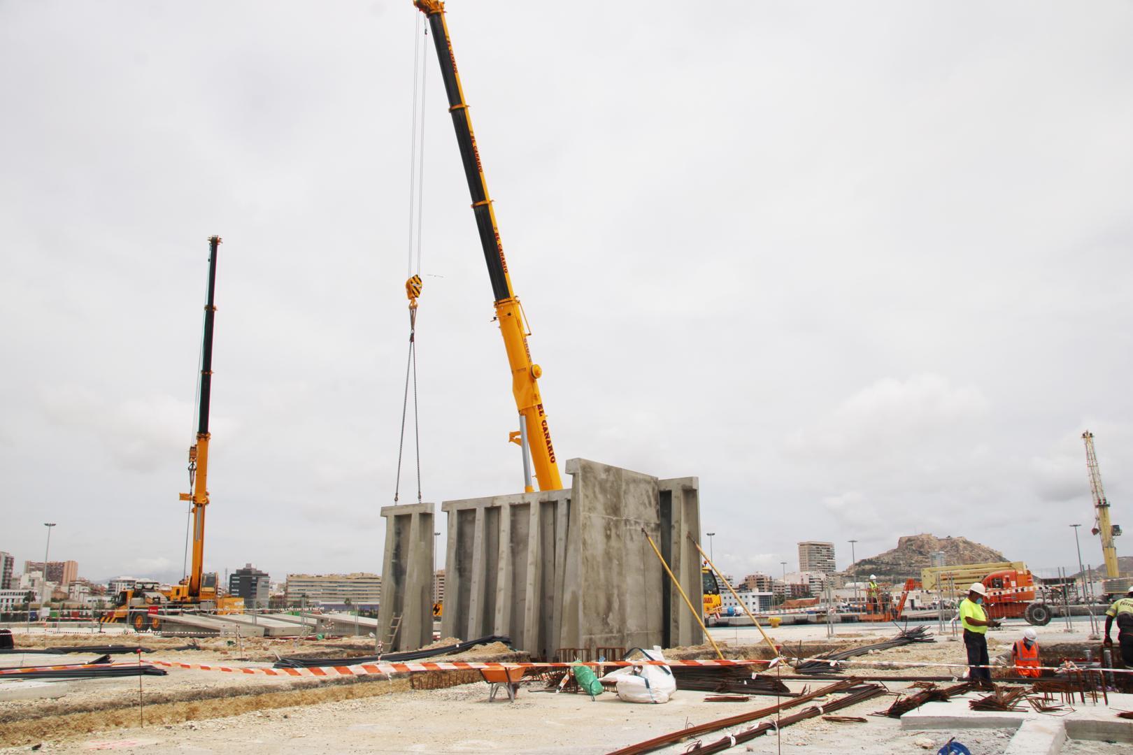 El Puerto de Alicante empieza a levantar los muros de la nave cerrada para el movimiento de graneles sólidos