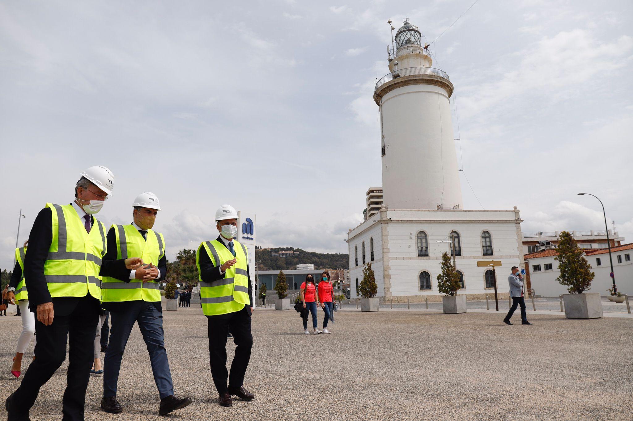 Arrancan las obras de la marina de megayates en los muelles 1 y 2 del puerto de Málaga