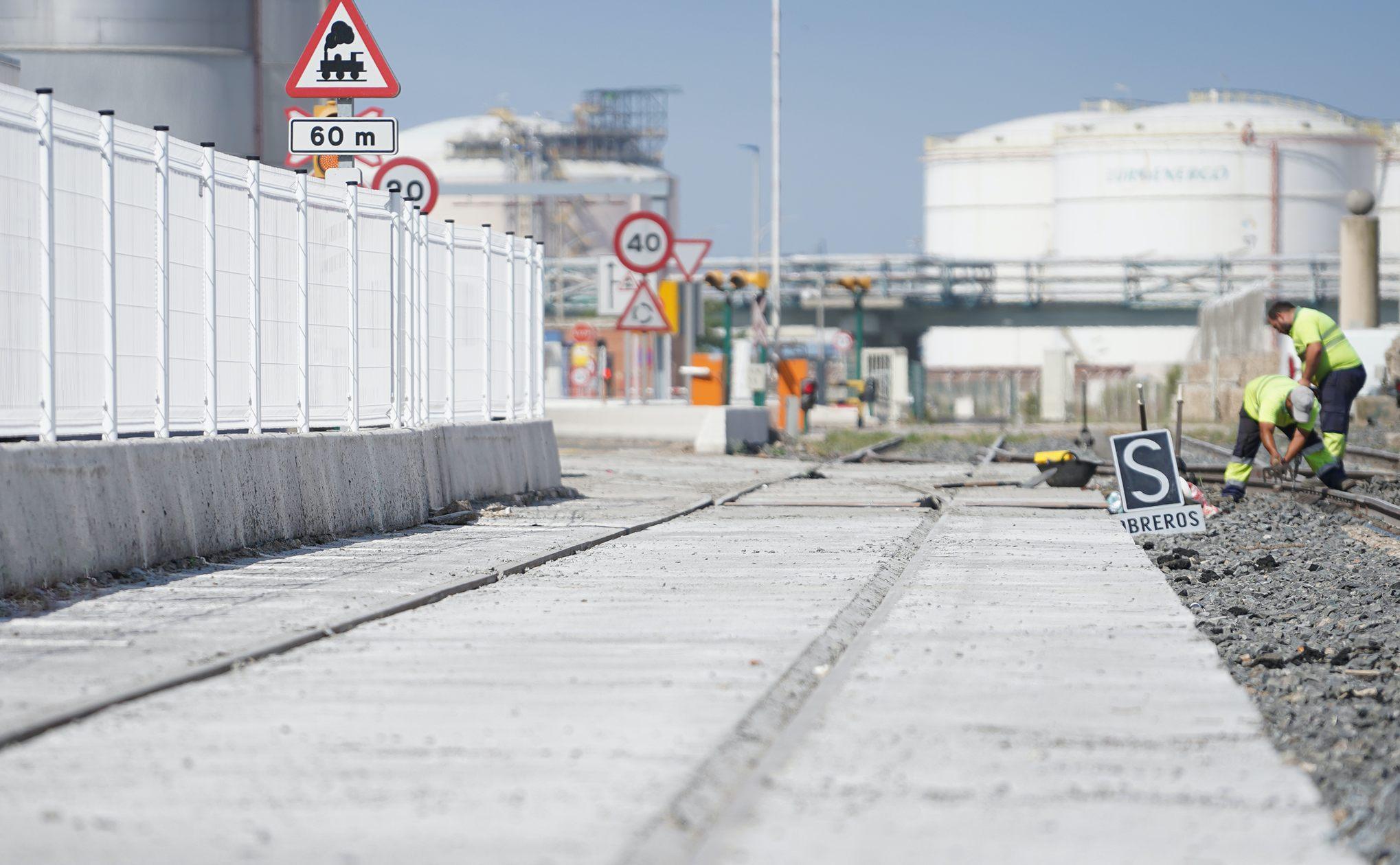 El Puerto de Tarragona finaliza las obras de mejora de las vías de tren del Muelle de Castilla
