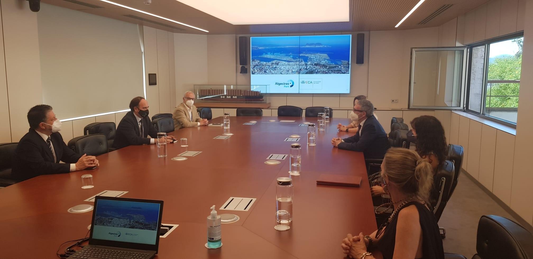 UCA y APBA renuevan su cooperación a través del máster en Gestión Portuaria y Logística