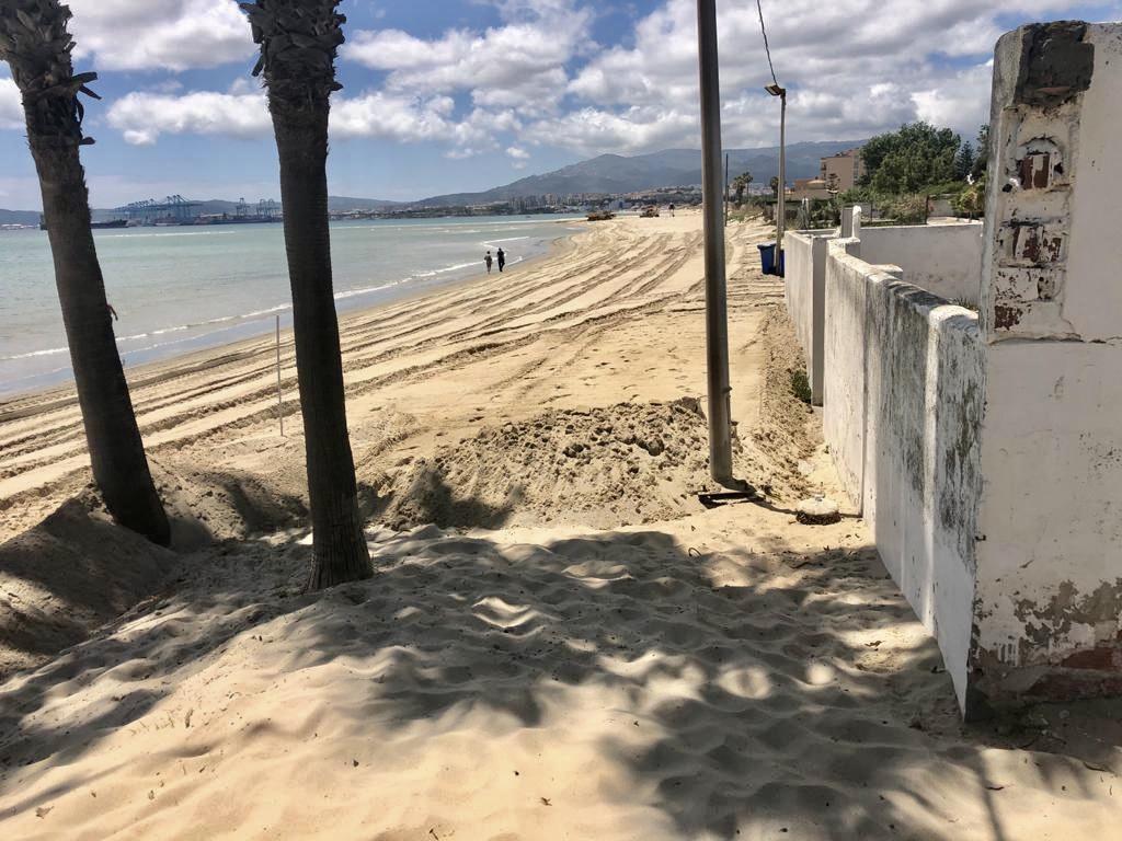 Palmones se prepara para el inicio de la temporada de playa