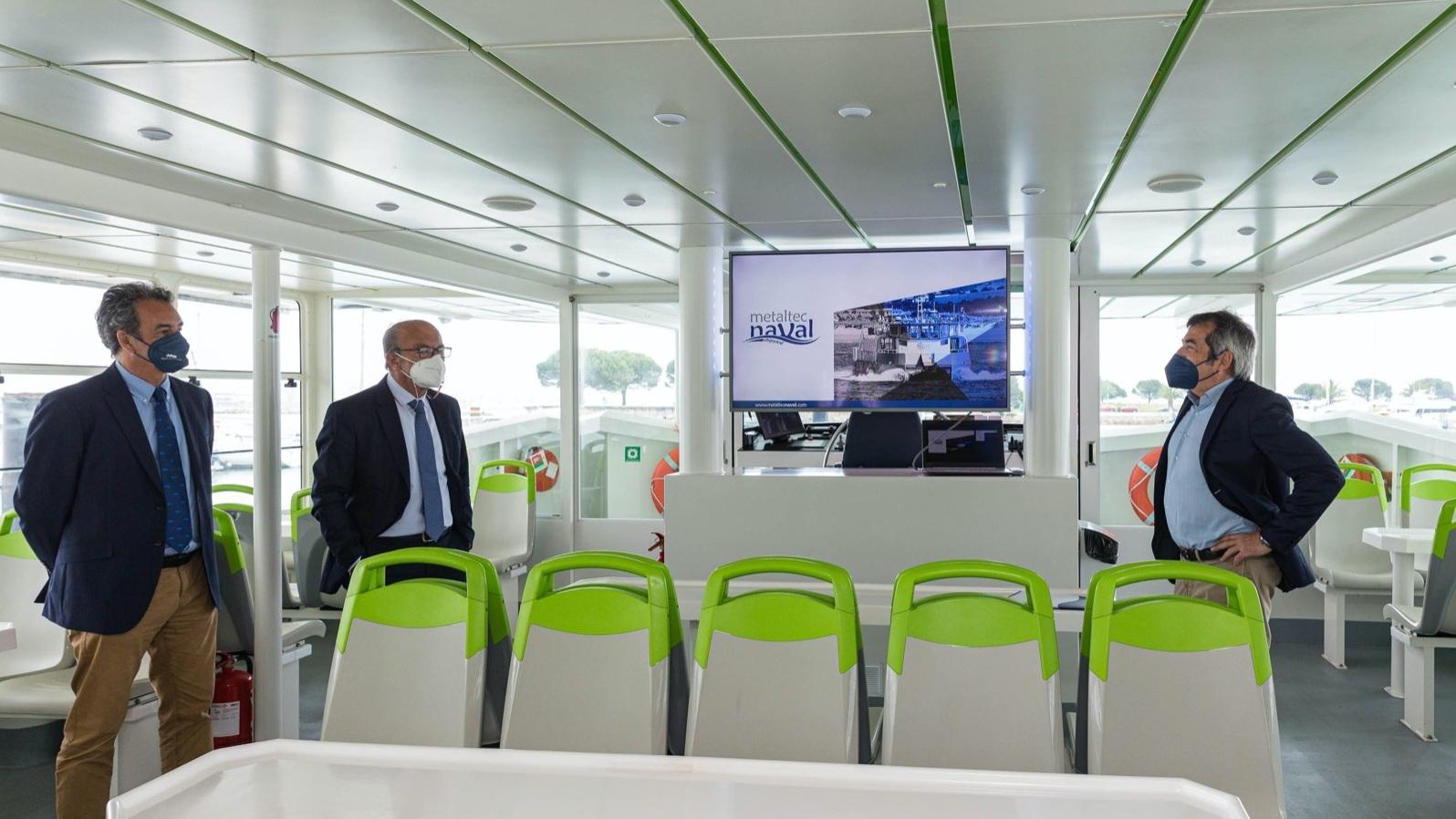Cantabria apoyará la construcción de un barco capaz de navegar ocho horas con energía solar
