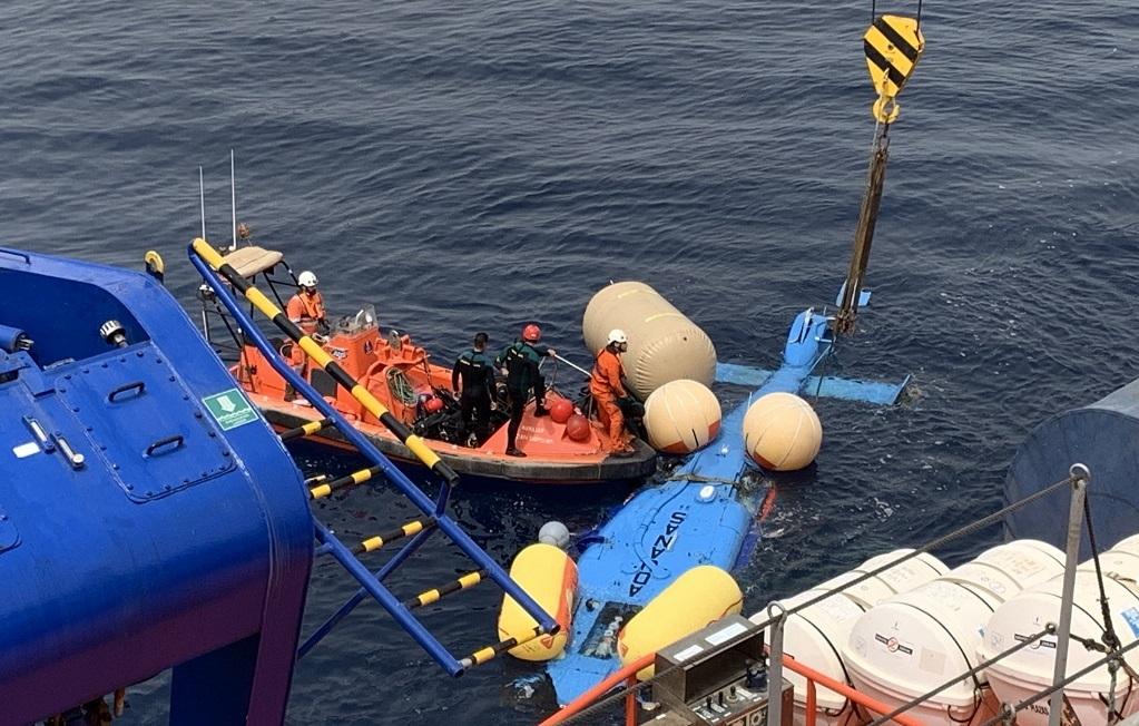 Recuperado el helicóptero de Aduanas siniestrado frente a la costa de Sotogrande