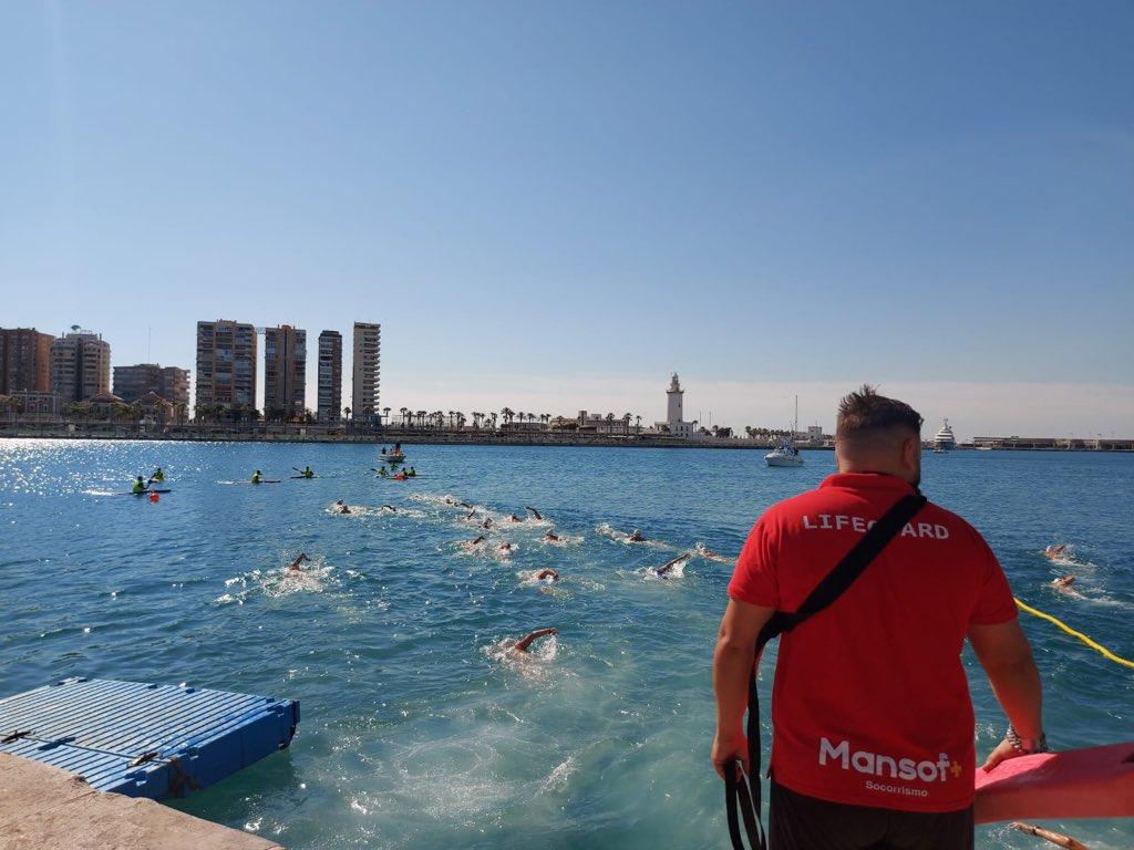 Éxito de la 61 Travesía a nado Puerto de Málaga