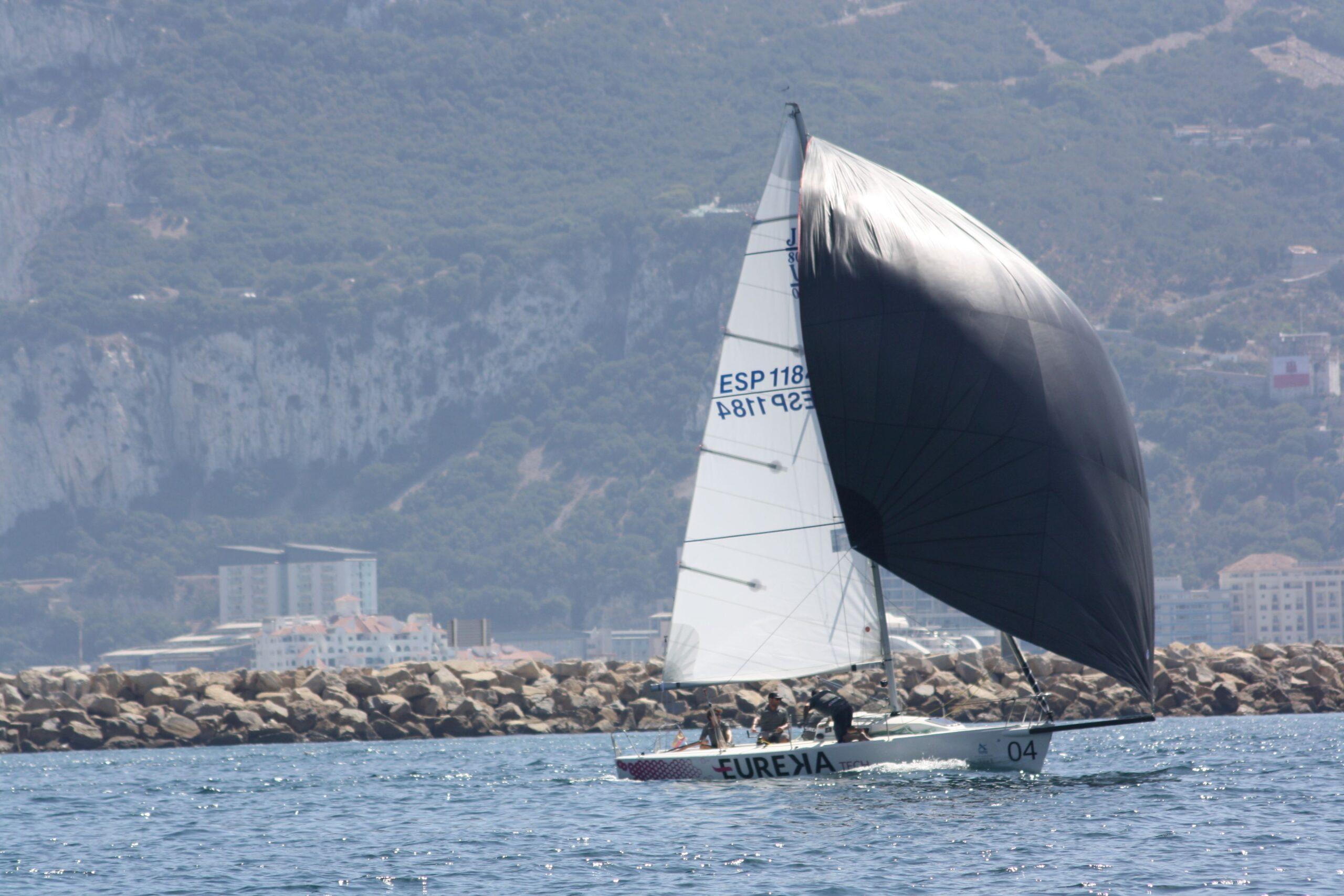 El monotipo 'Eureka Tech' se proclama campeón de Andalucía de J/80 2021 en aguas de La Línea