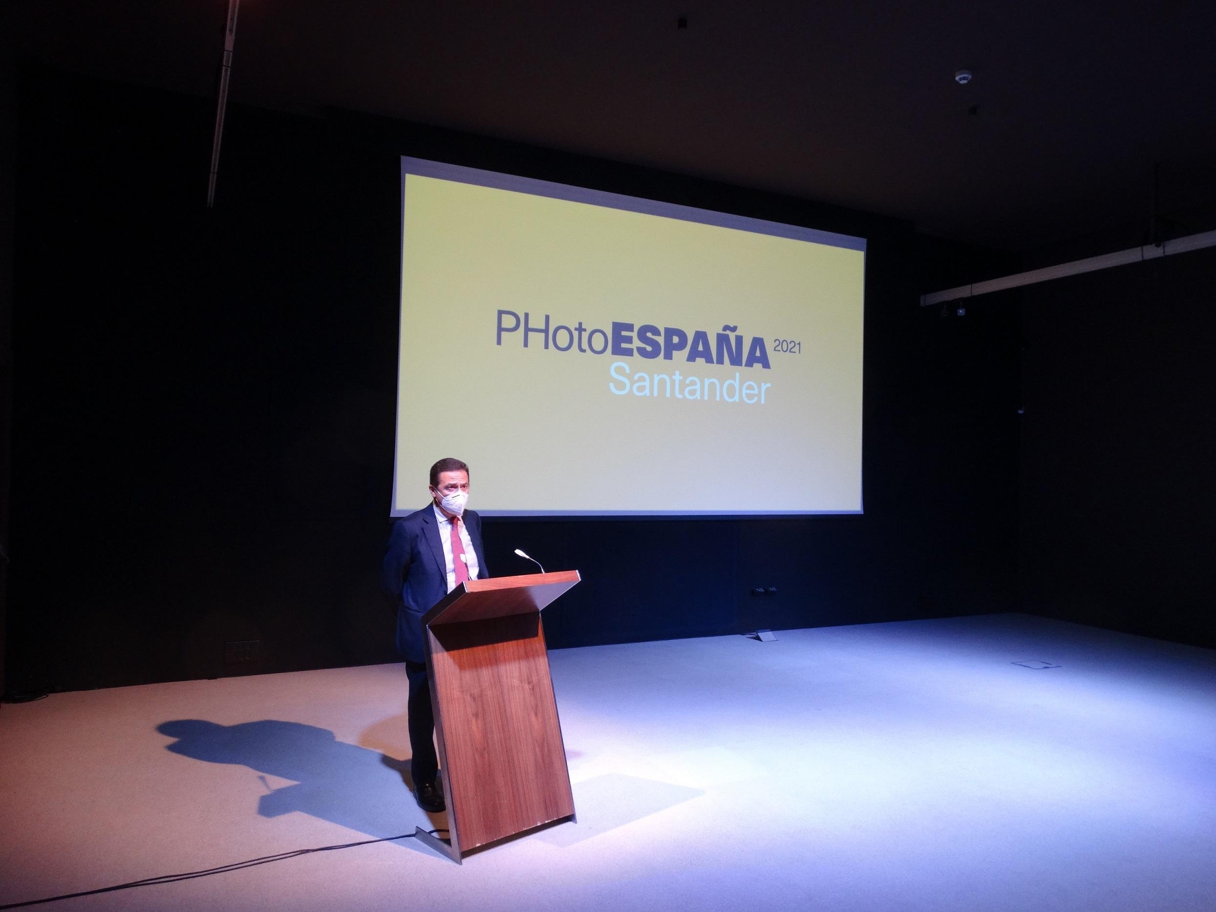 La Autoridad Portuaria de Santander acogerá en sus centros expositivos dos importantes muestras fotográficas