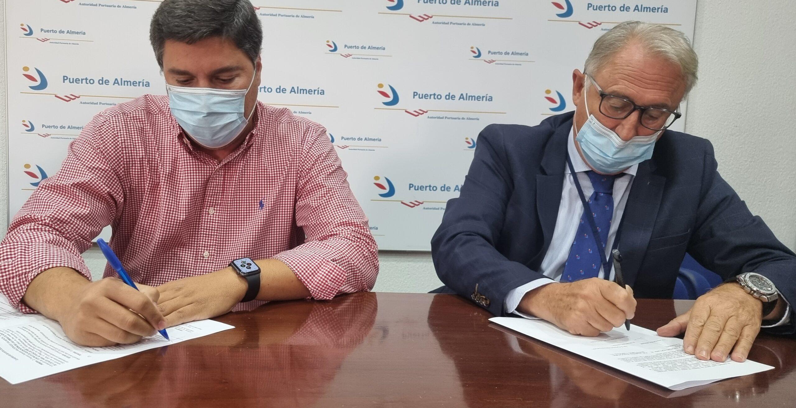 Mayfra realizará la adaptación de unos locales para un bar en el Puerto Pesquero de Almería